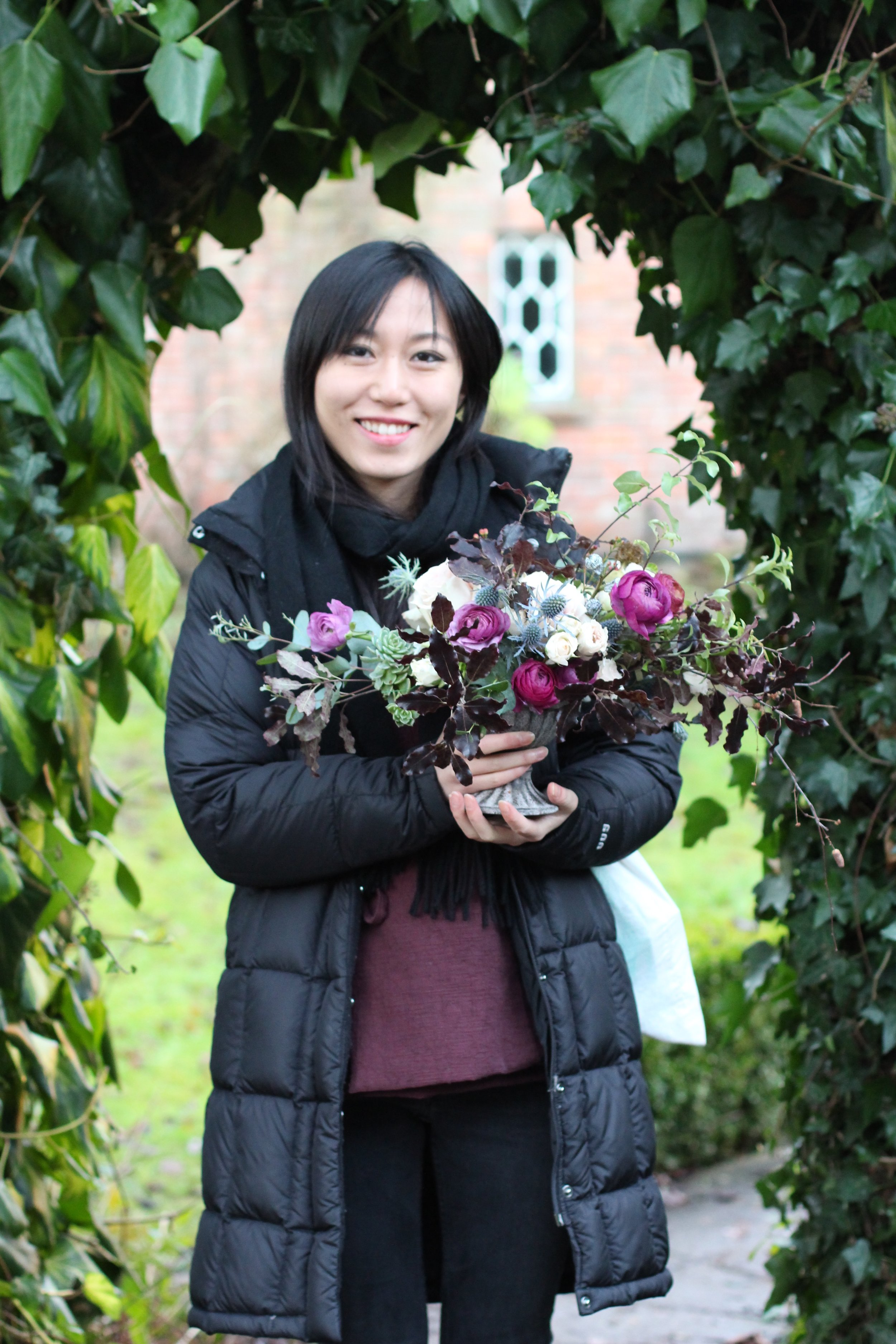 wedding flowers by Kent florist Jennifer Pinder with pink anenomes and plum ranunculus 1