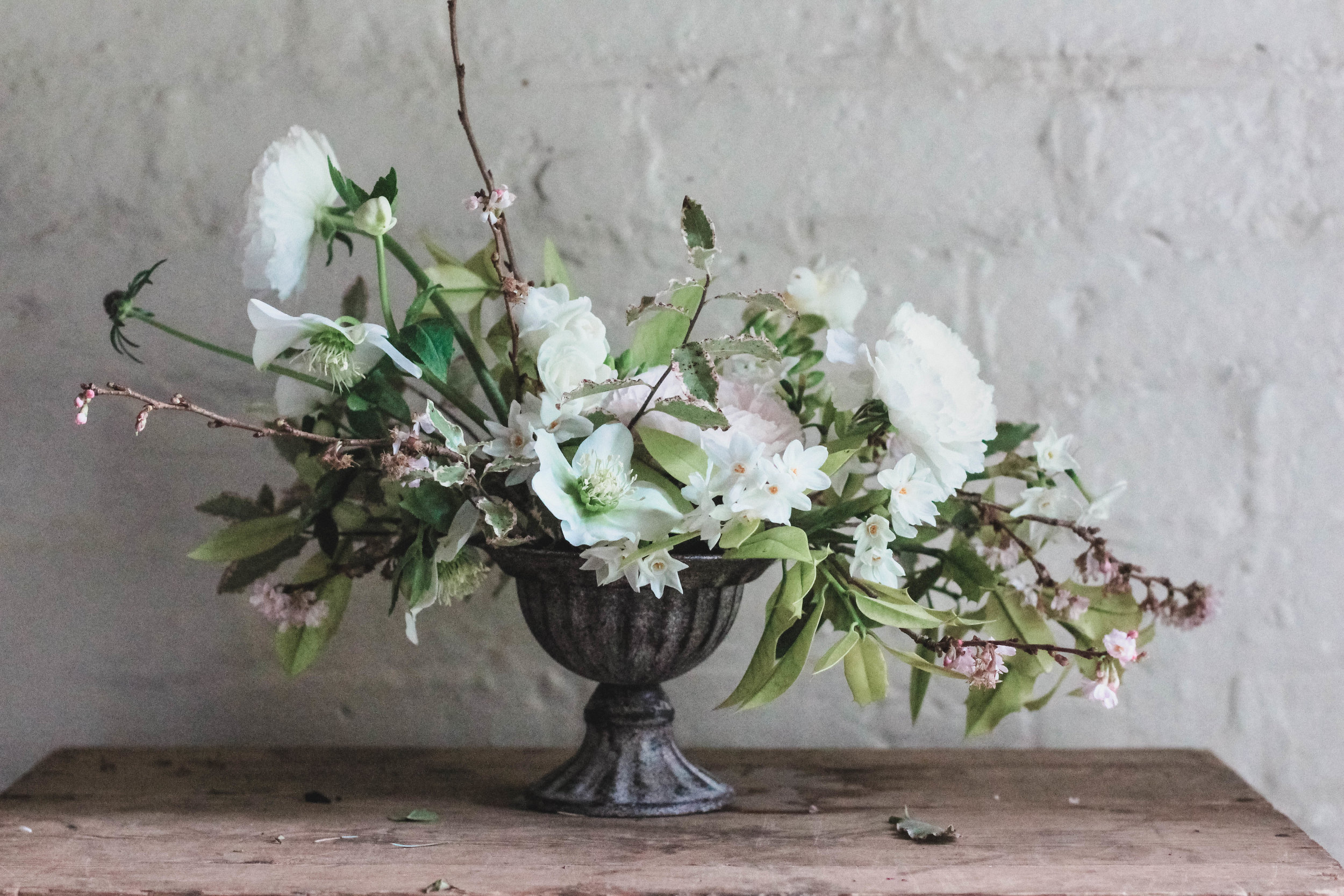 Jennifer Pinder Kent florist floristry workshop. Lots of winter flowers with a wild and natural look