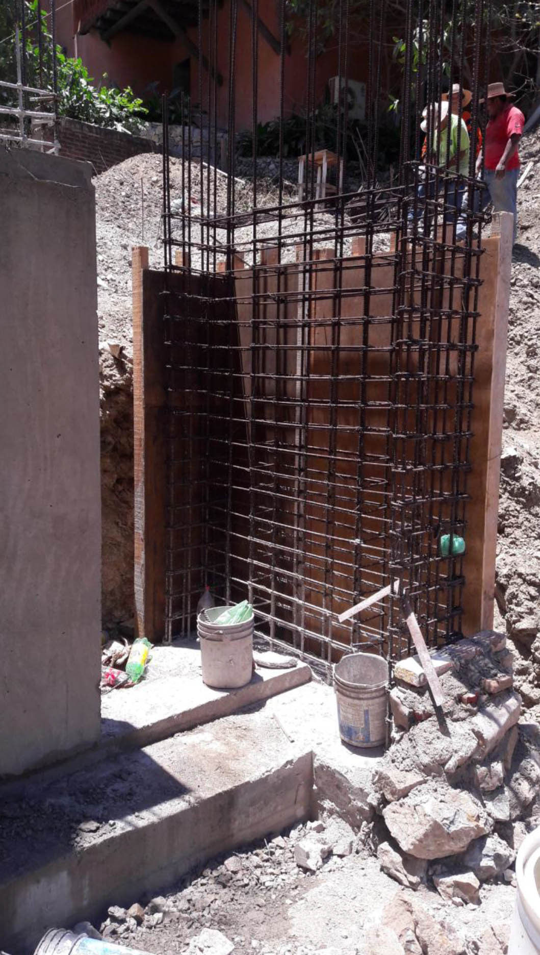 Formwork for poruing columns