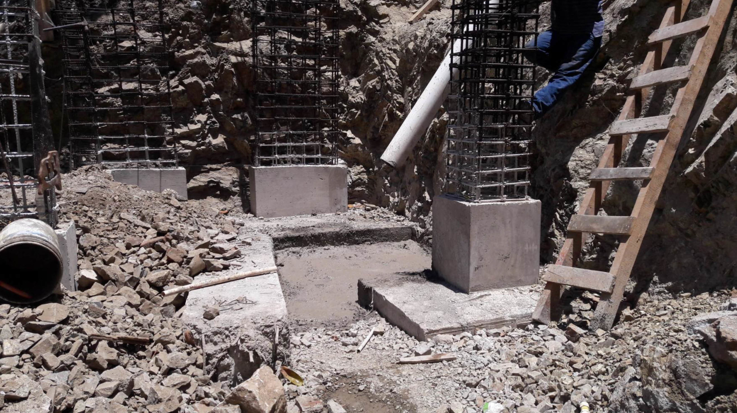Armed concrete footing for Building A