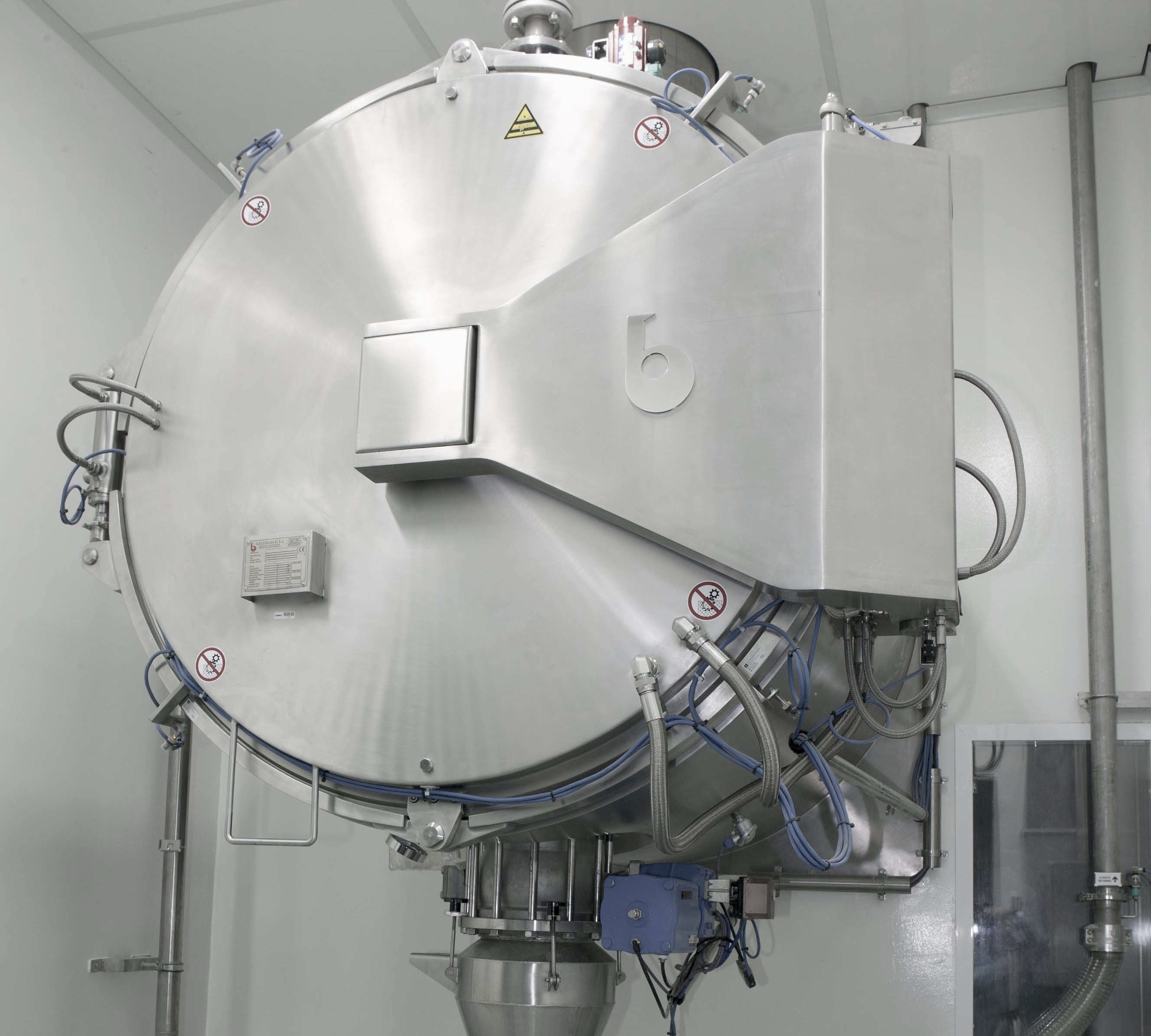 SHV  VACUUM DRYER (THROUGH-THE-WALL INSTALLATION)