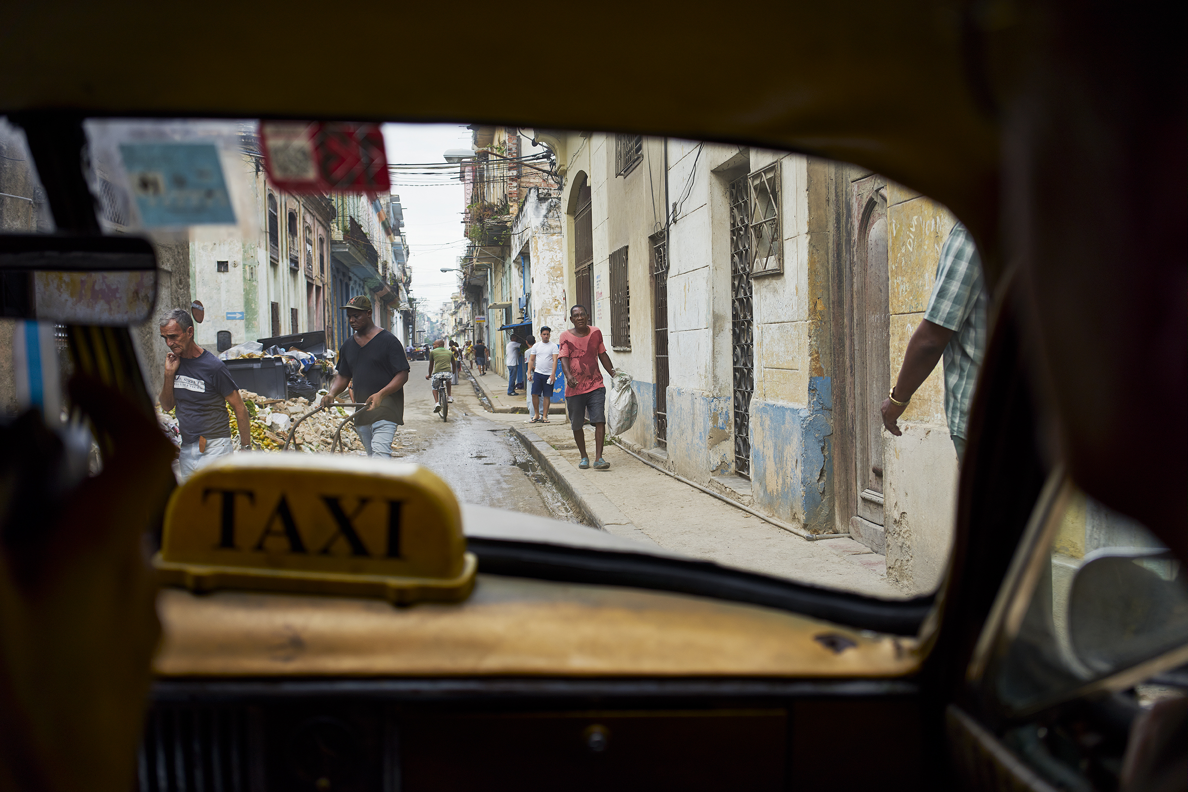09 View from cab Havana.jpg