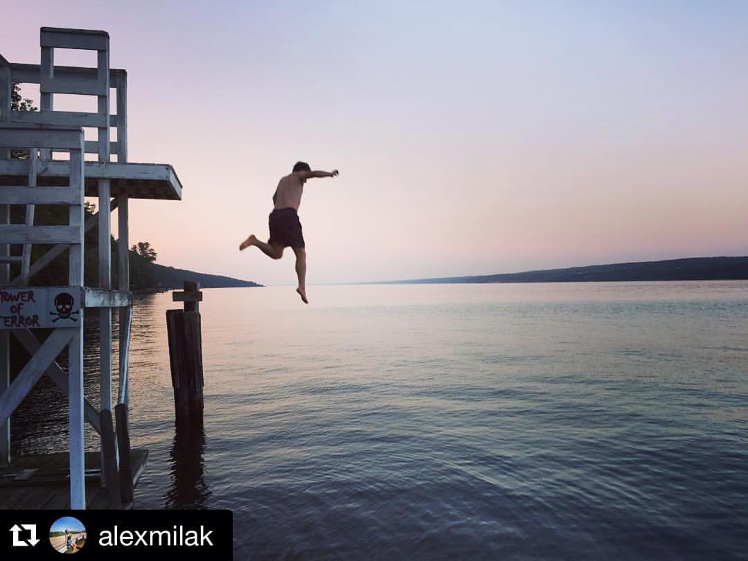 I'm falling.    #Repost @alexmilak  ・・・  Almost (at Dundee, New York)