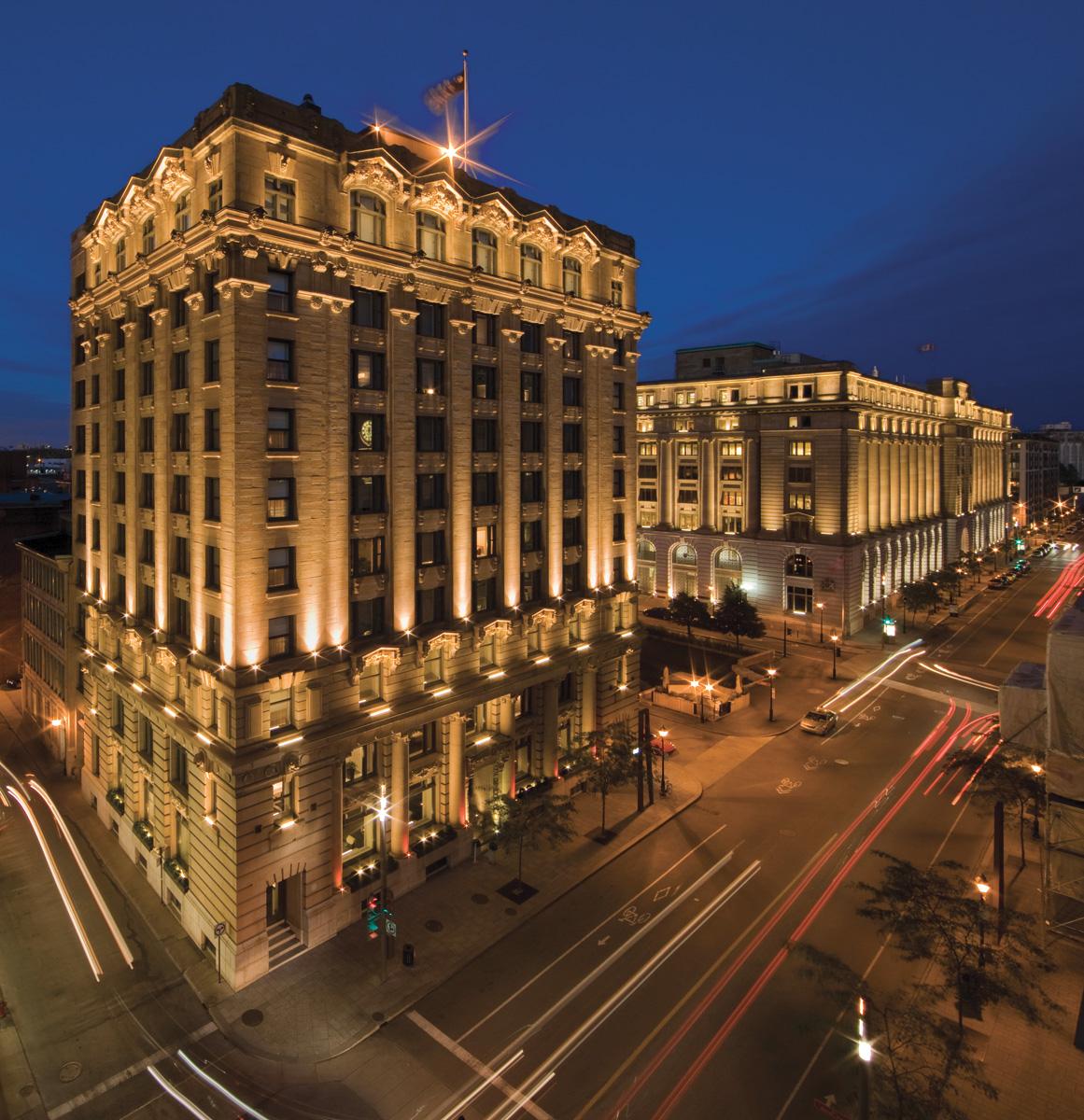 Hotel-StPaul-Montreal-Front_CMYK.jpg