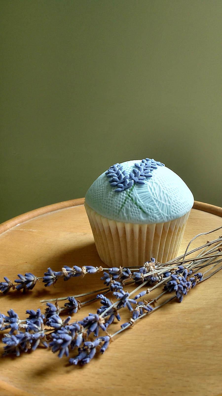 Lavender cupcake 2.jpg
