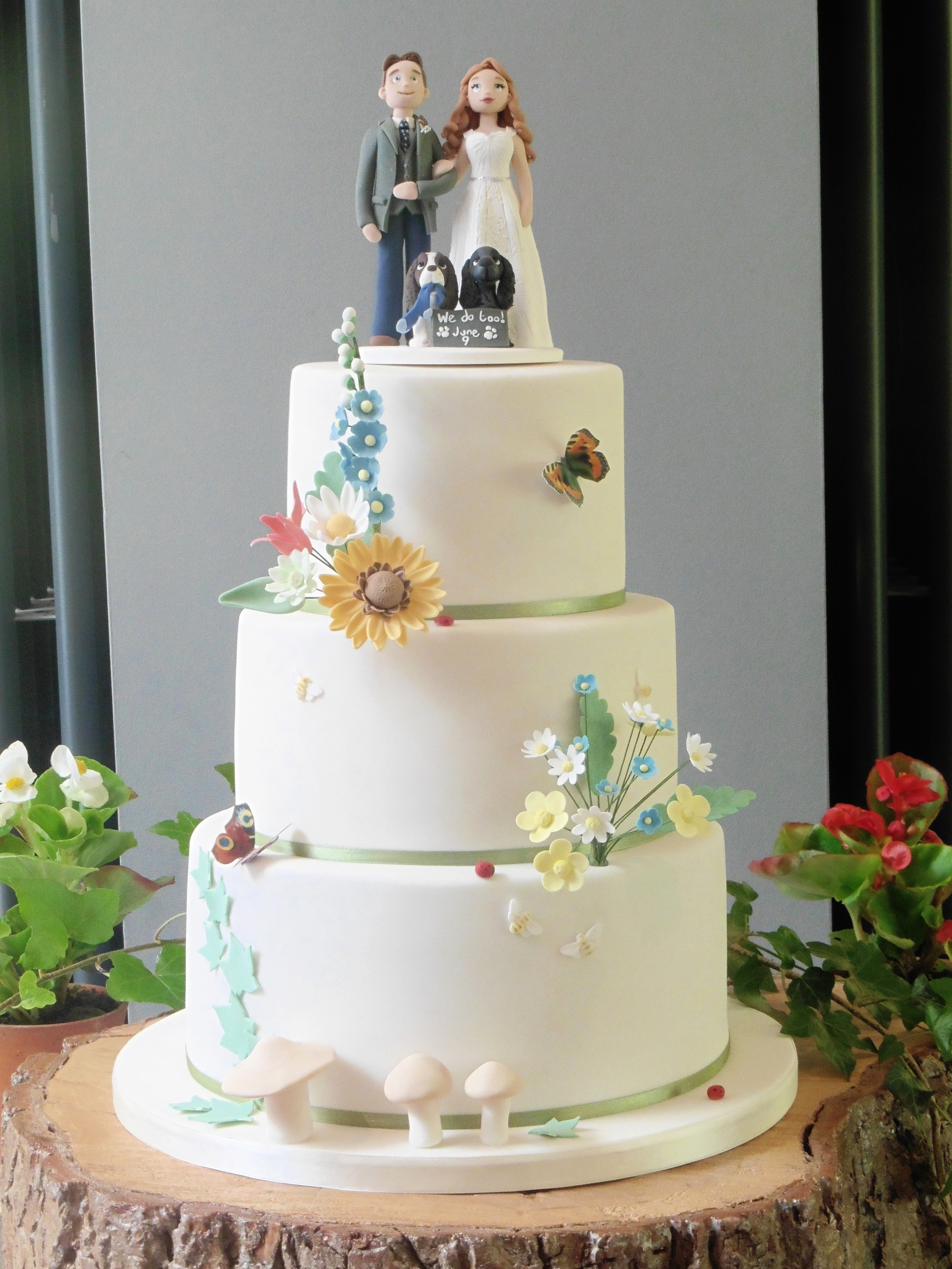 Country Bright Wedding Cake