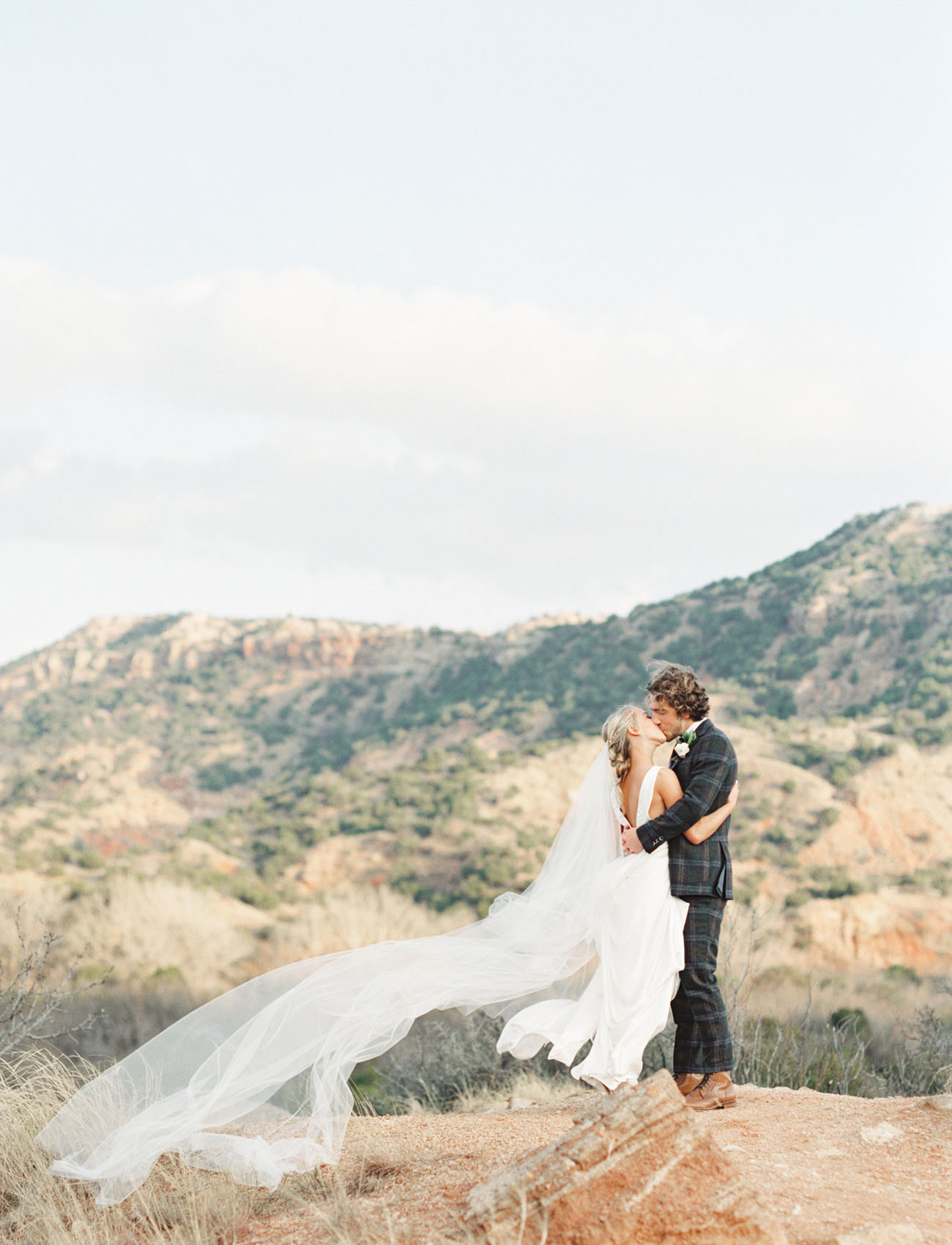 Carol Hannah Azurite Boho Winter Wedding-13.jpg