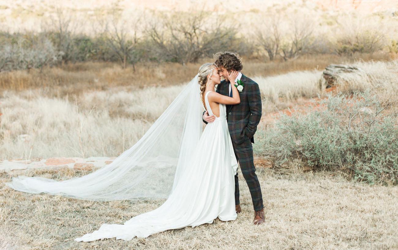 Carol Hannah Azurite Boho Winter Wedding-01.jpg