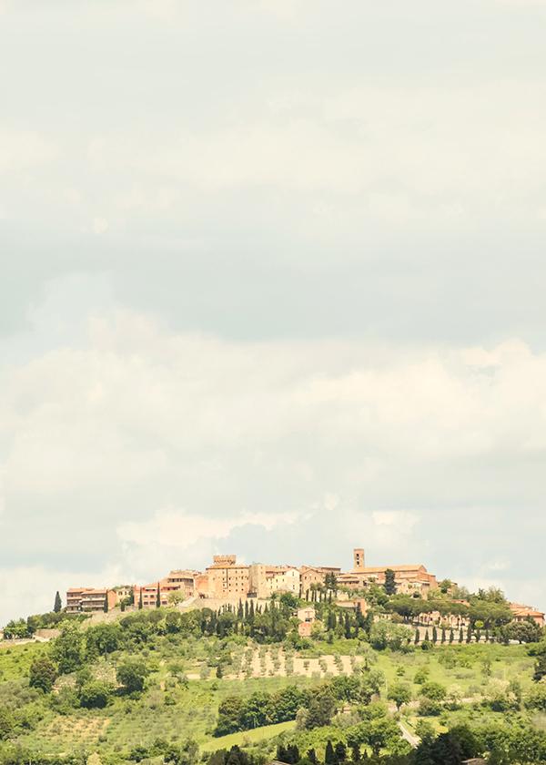Carol Hannah by Mike Larson in Tuscany.jpg