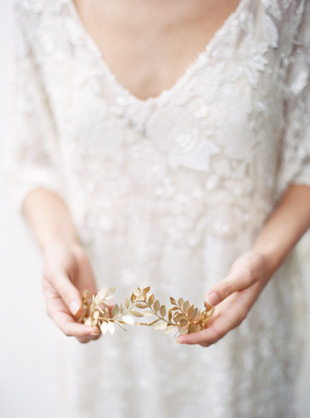 Carol Hannah Bridal Iolite Gown Shanon Moffit Photography 3.png
