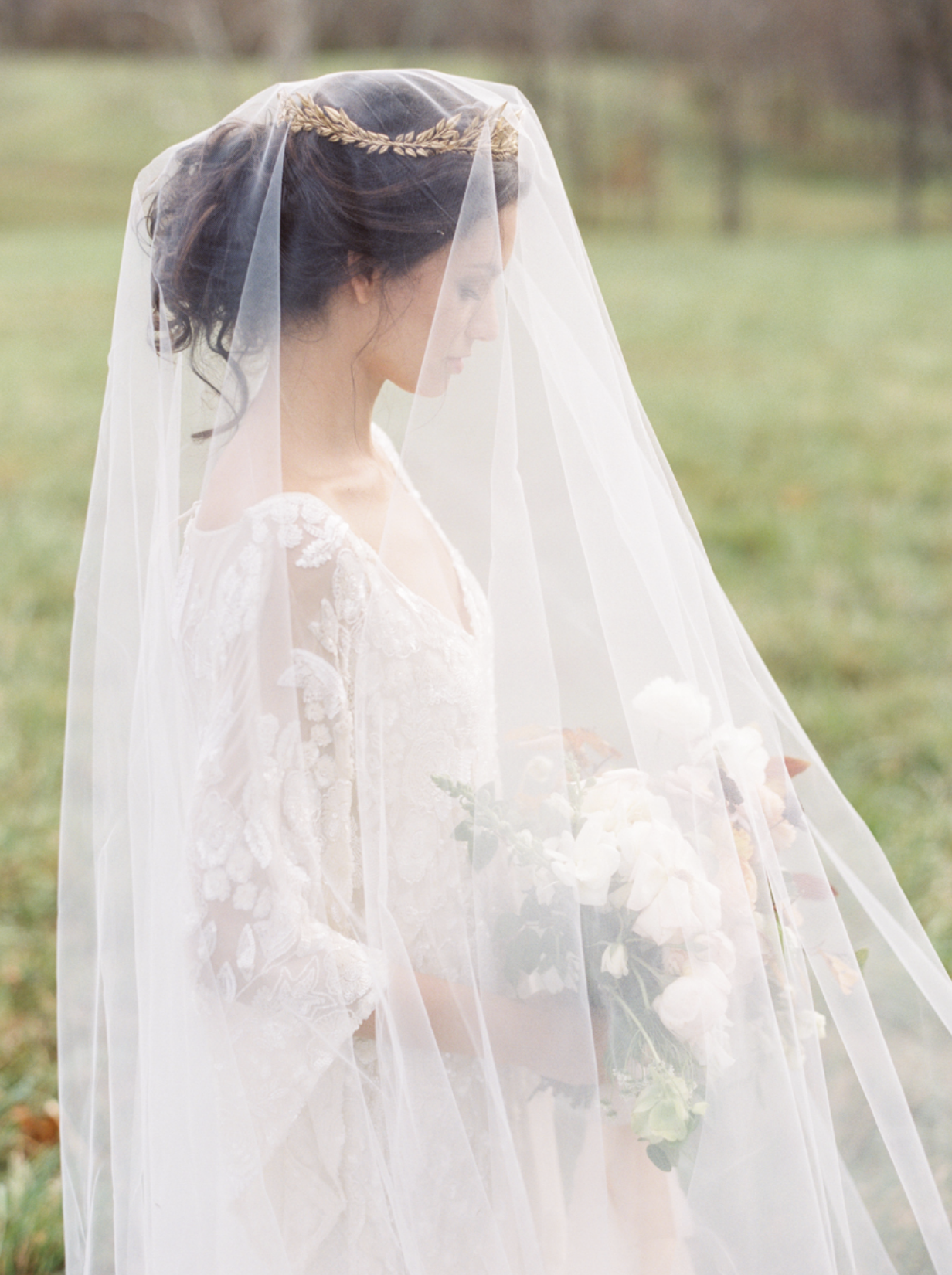 Carol Hannah Bridal Iolite Gown Shanon Moffit Photography 23.png