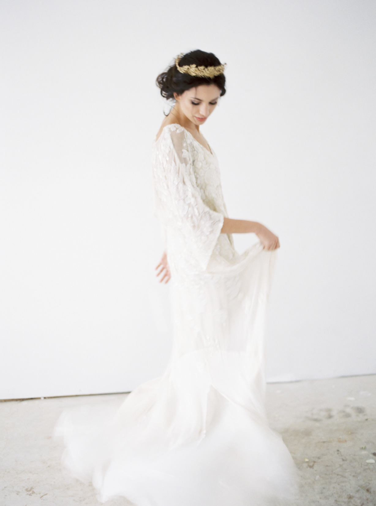 Carol Hannah Bridal Iolite Gown Shanon Moffit Photography 28.png