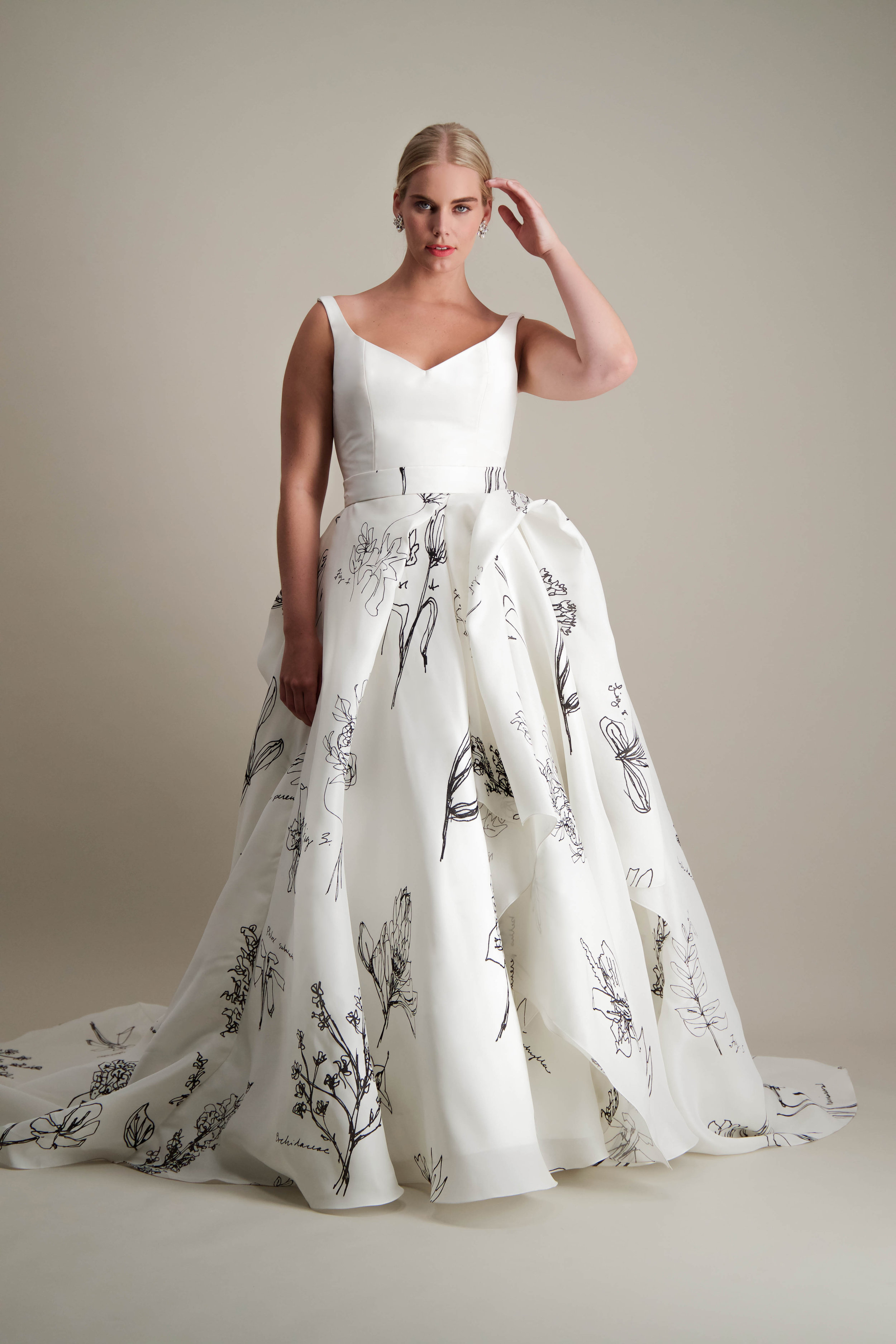 anthorium-skirt-ball-gown-printed-black-and-white-gown-2.jpg