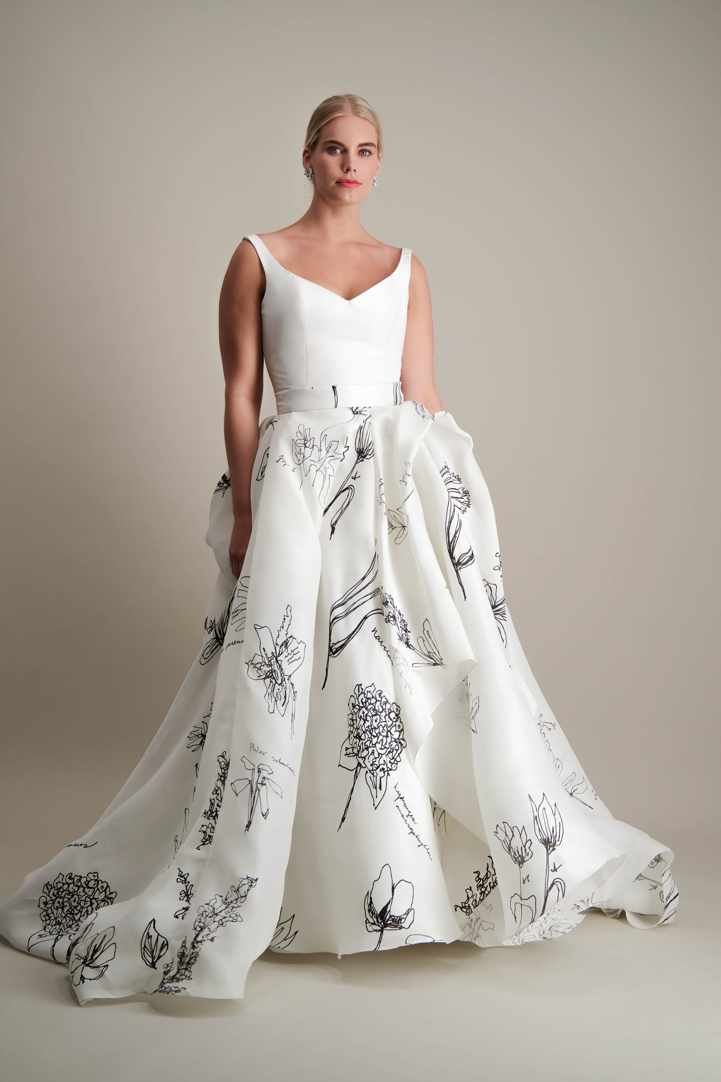 anthorium-skirt-ball-gown-printed-black-and-white-gown-4.jpg