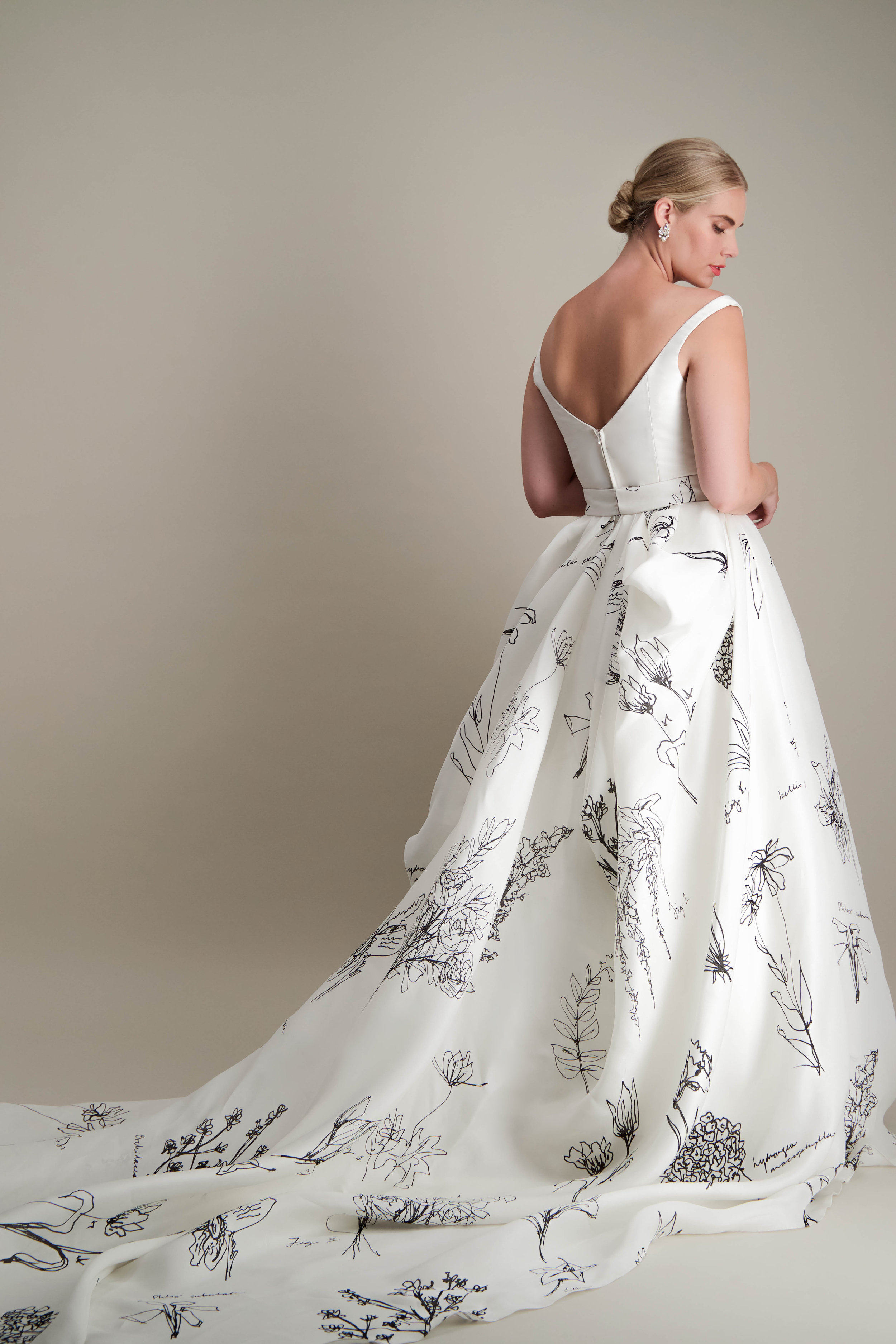 anthorium-skirt-ball-gown-printed-black-and-white-gown-5.jpg