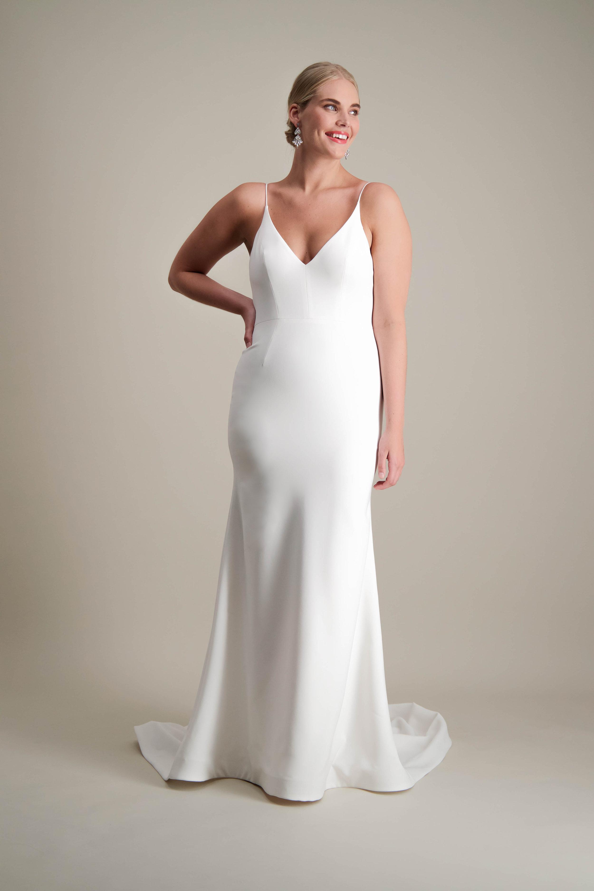 Islet gown fitted modern sleek wedding dress 4.jpg