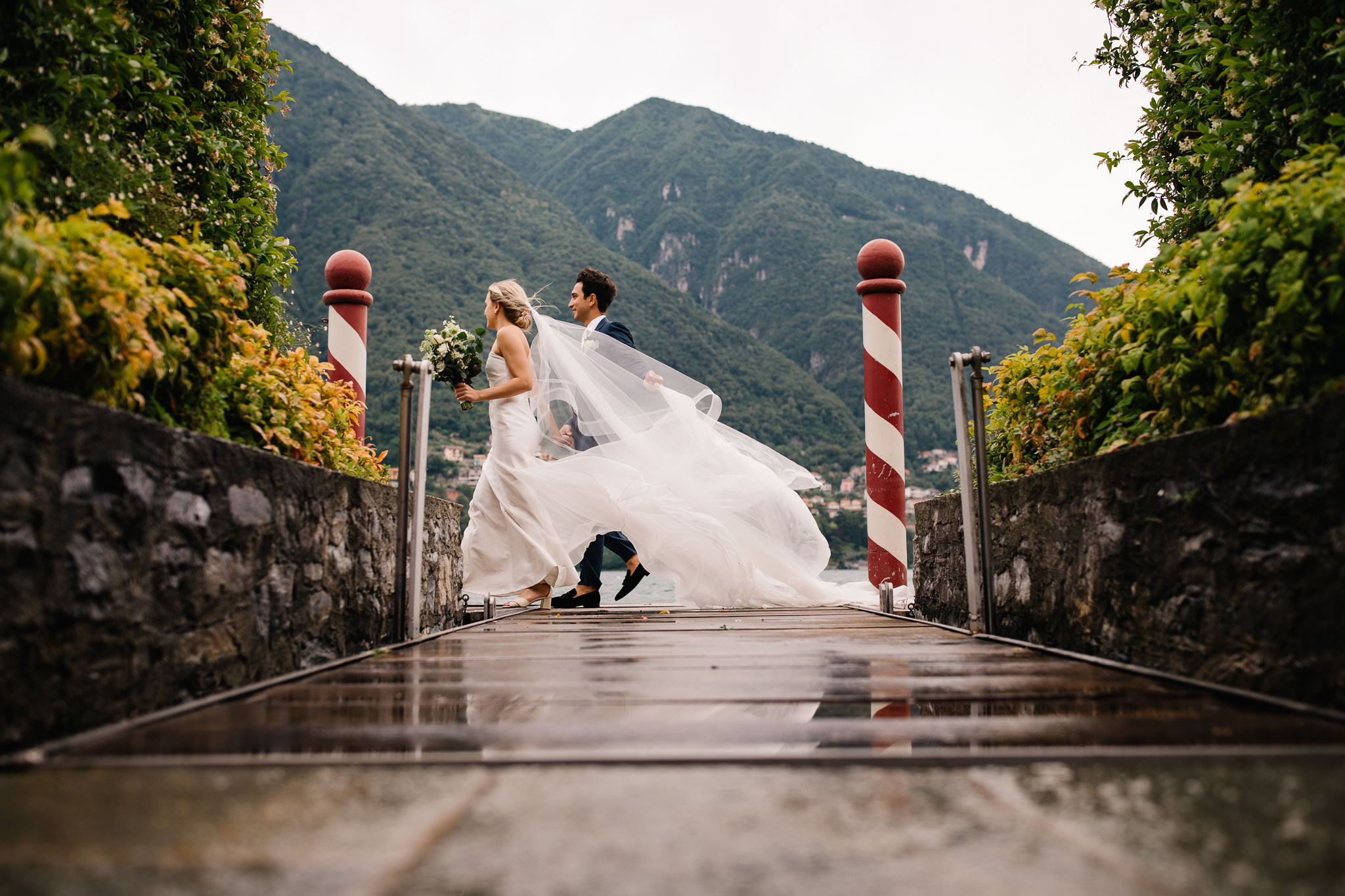 Xyris 29 - fited boned romantic strapless wedding dress.jpg