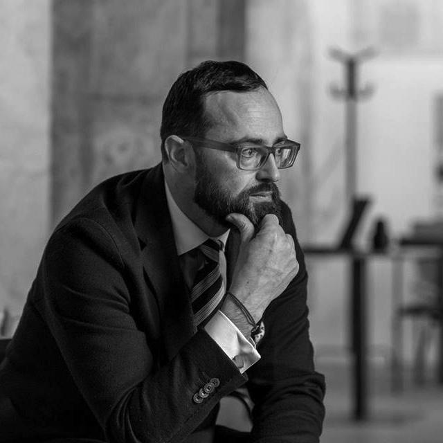 NIKO SLAVNIC, Executive Editor
