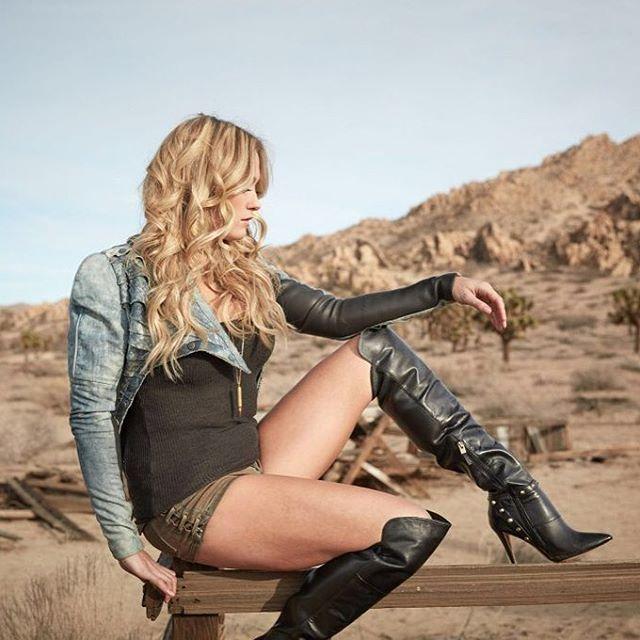 @megpatrickmusic #meghanpatrick #country #music #artist #margaretmalandruccolo @megpatrickmusic @mikesam_styling @beautybybethany