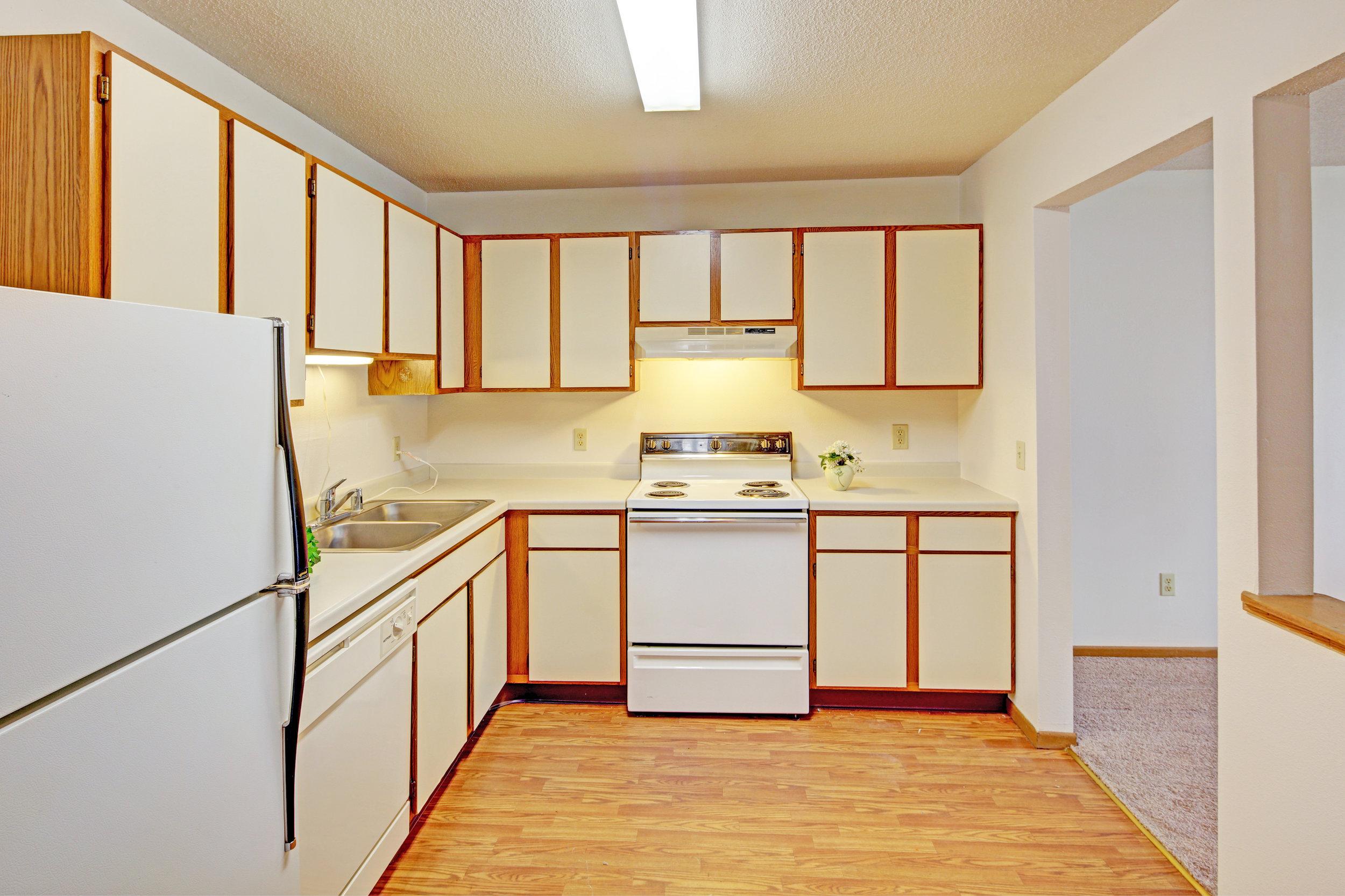 BreezewdII Kitchen.jpg