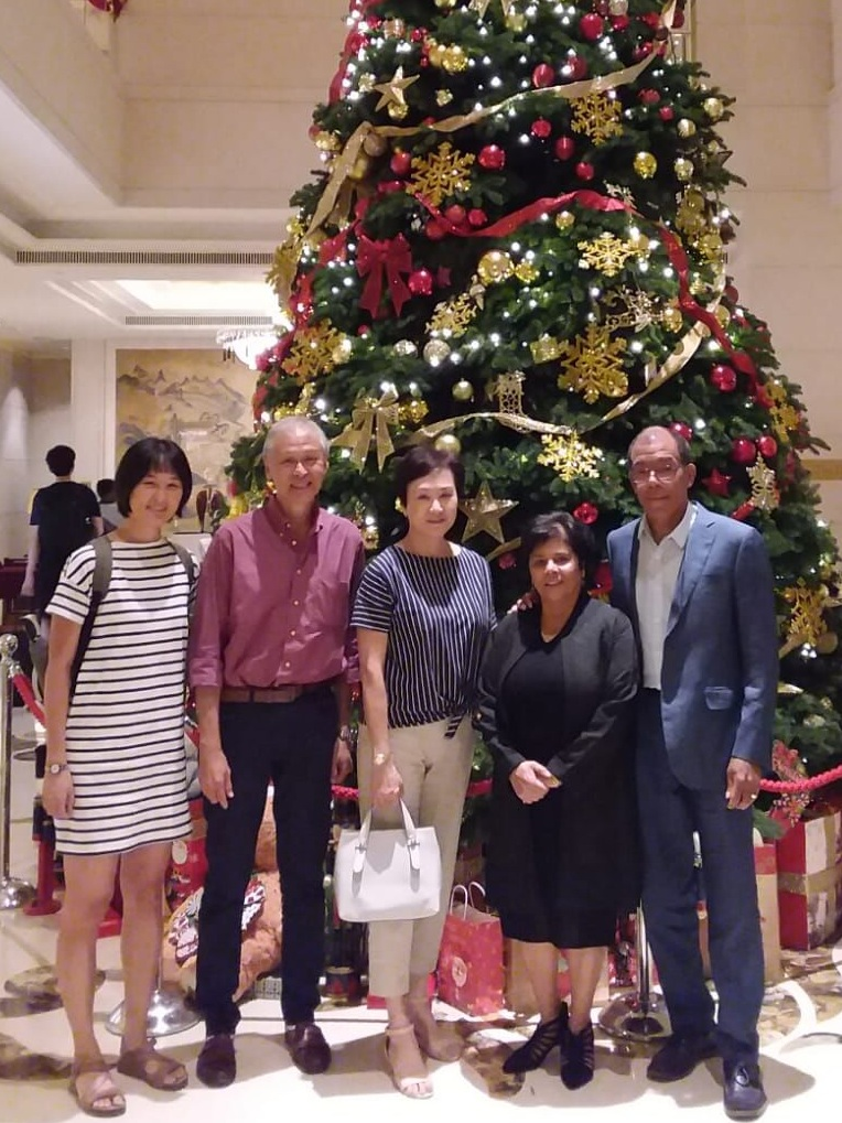 Sonia (Jaipaul), Chuck Wardlaw, Roland Ho, his wife (Sook Chin) and his daughter (Jackie)