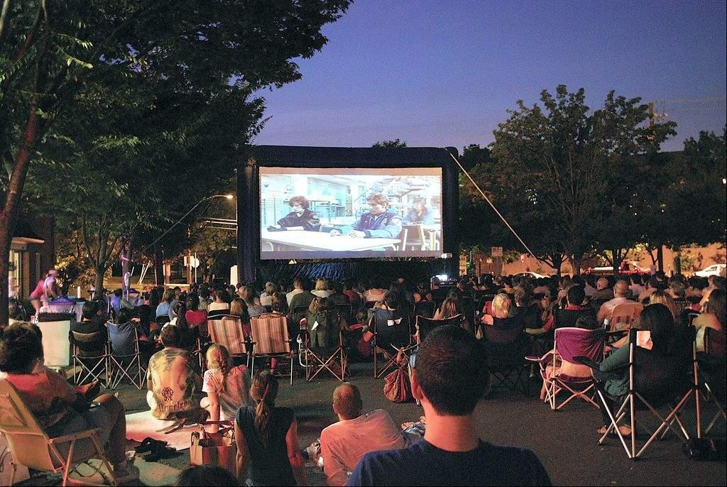 Outdoor screening via  Sweets So Geek