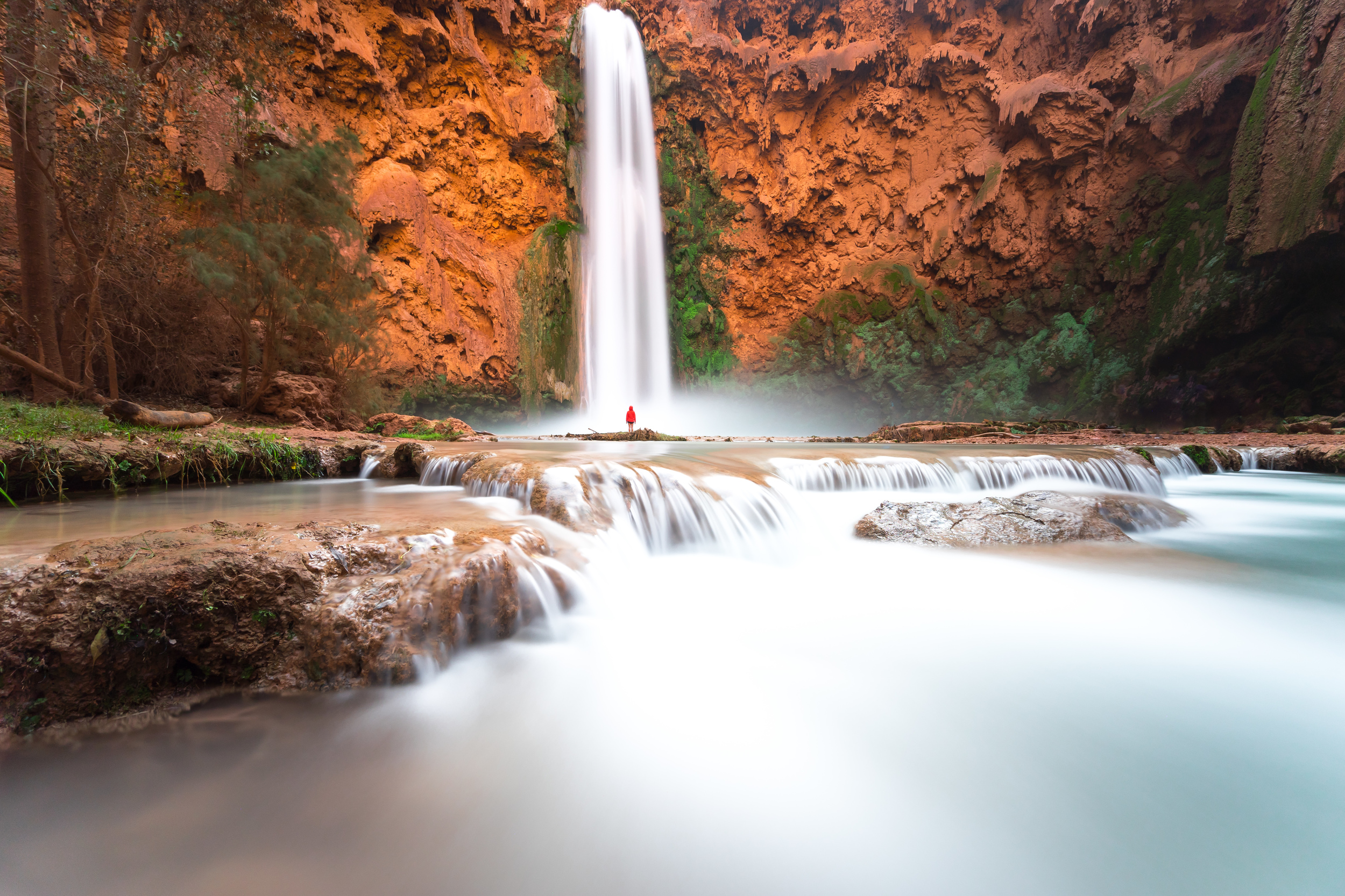 At 196 feet, Mooney Falls stands as Havasupai's tallest waterfall. Even taller than Niagara Falls, it's easy to feel small at this grand waterfall.