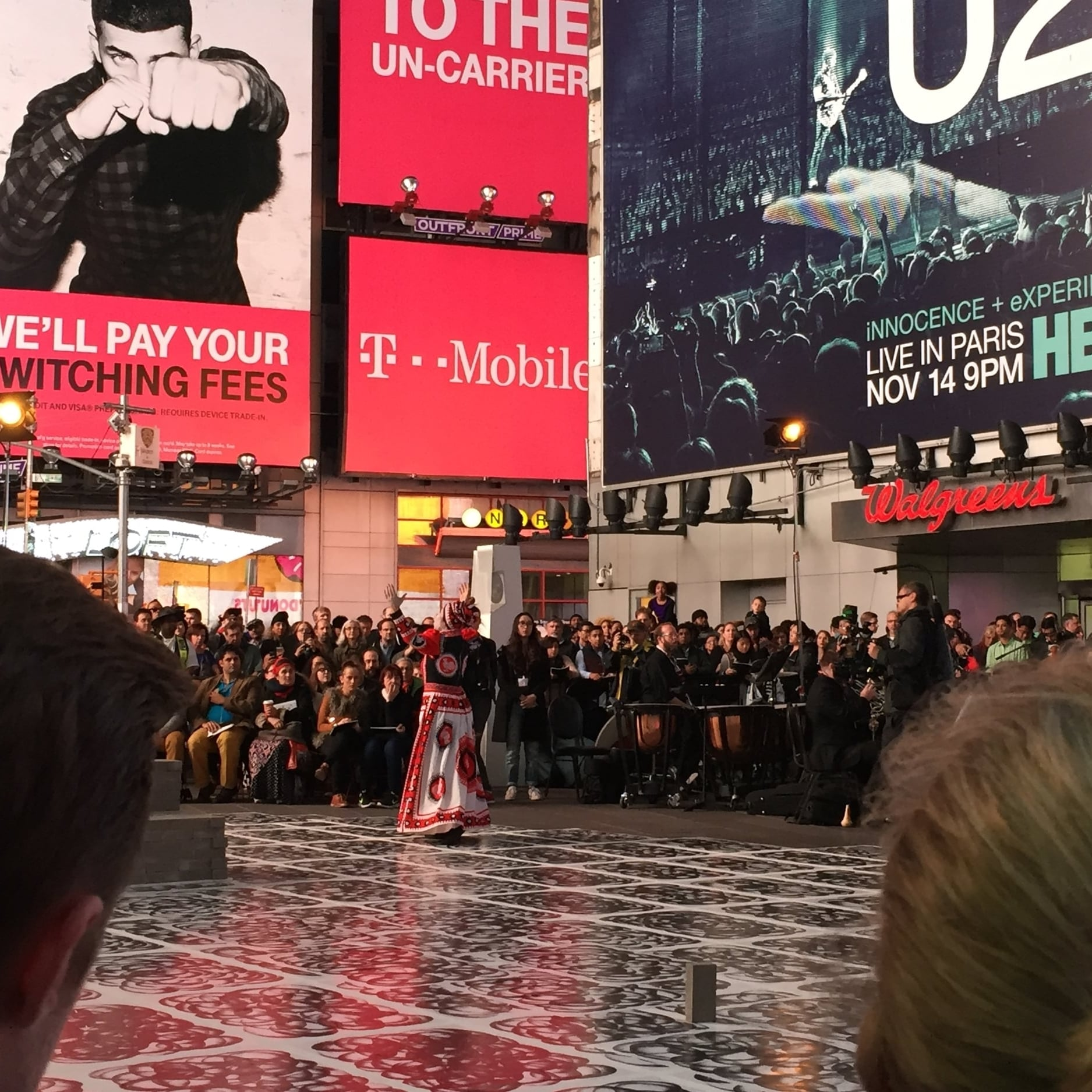 Robin Rhode's production of Schönberg's Erwartung, Times Square