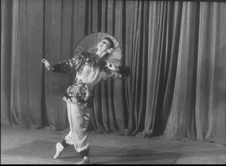 Pregatiri pentru festivalul tineretului   01:35, 1953  Arhiva Nationala de Filme