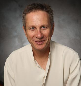 Peter Schneider.jpg