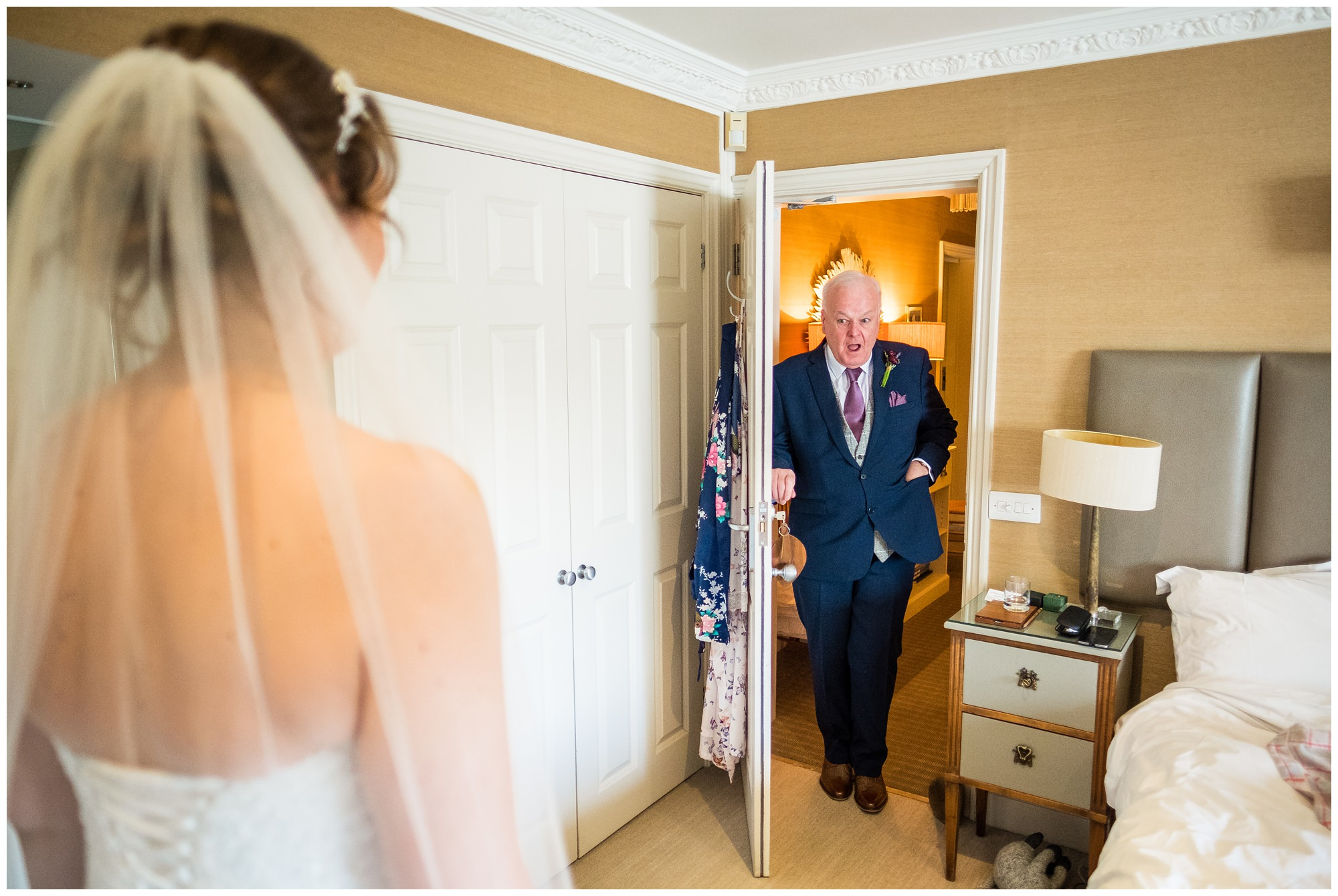dad seeing bride in dress for first time