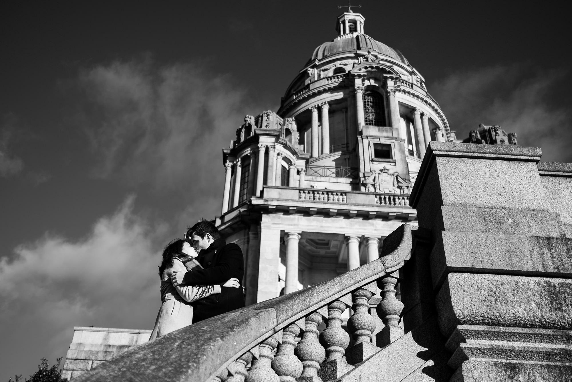 kissing on steps