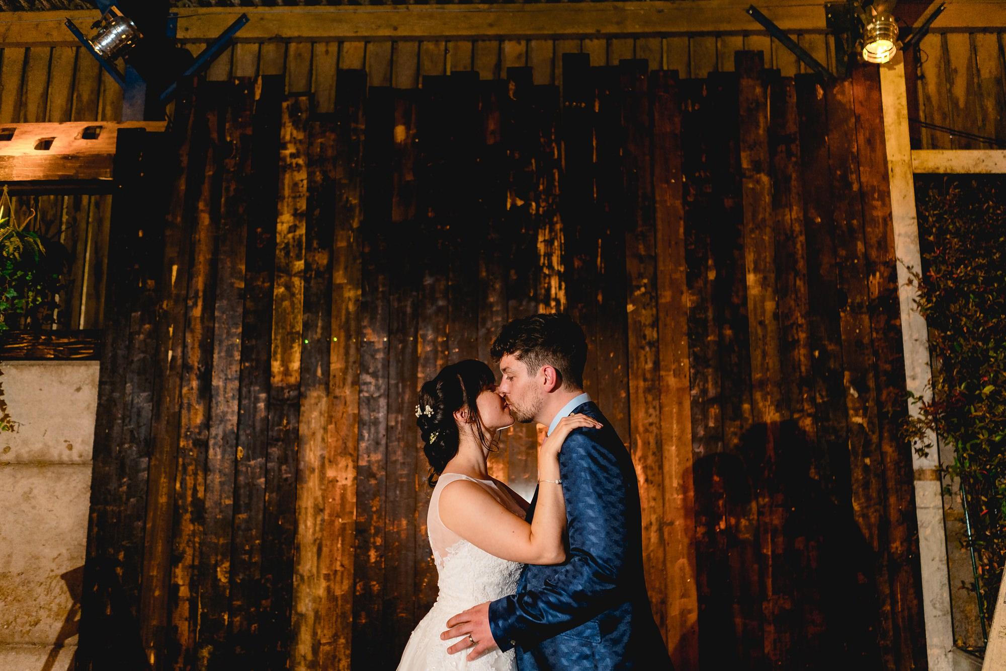 Owen-House-Wedding-Barn-Wedding-Photographer_0028.jpg