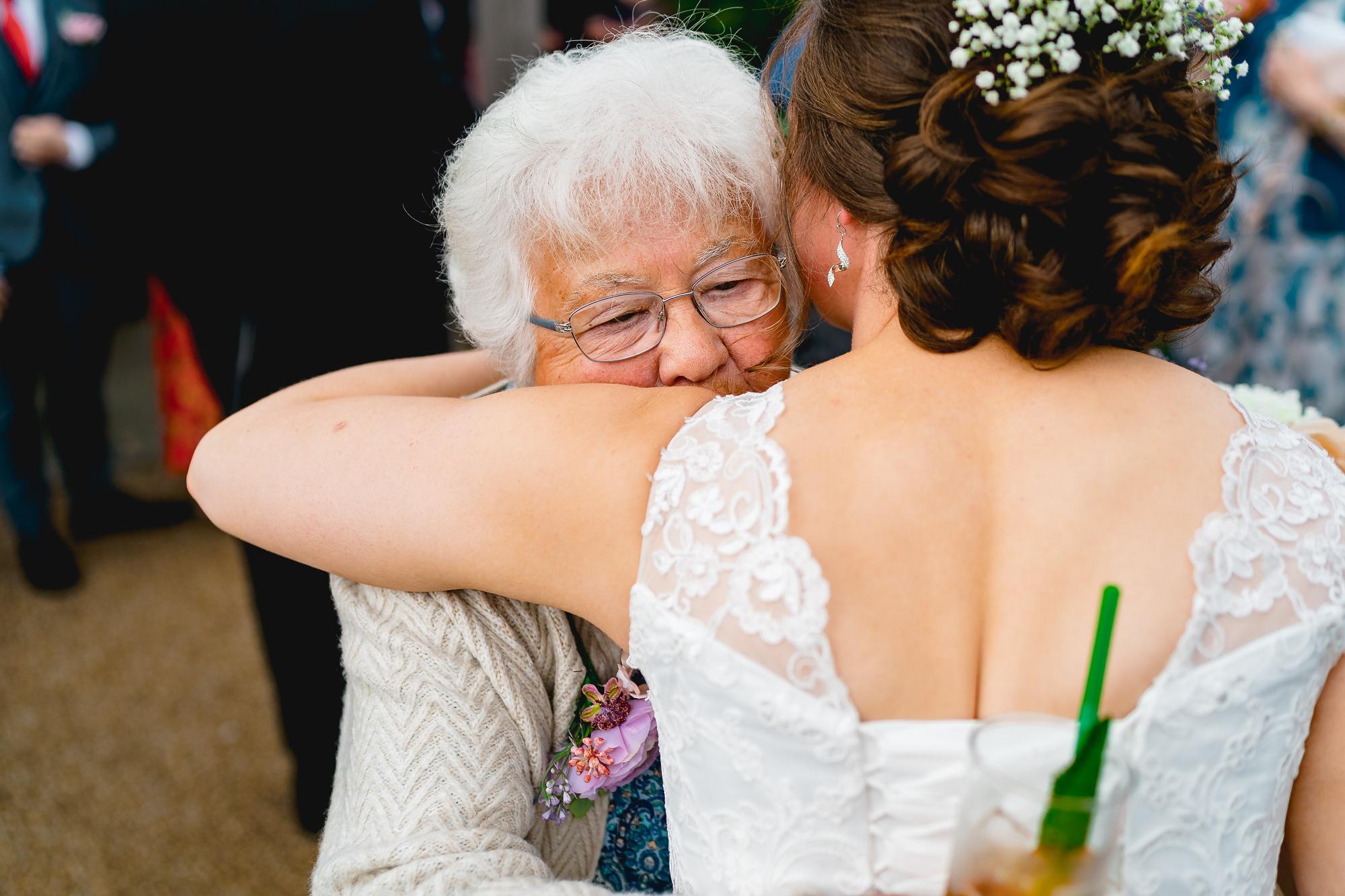 Sandhole-Oak-Barn-Wedding-Photographer_0013.jpg