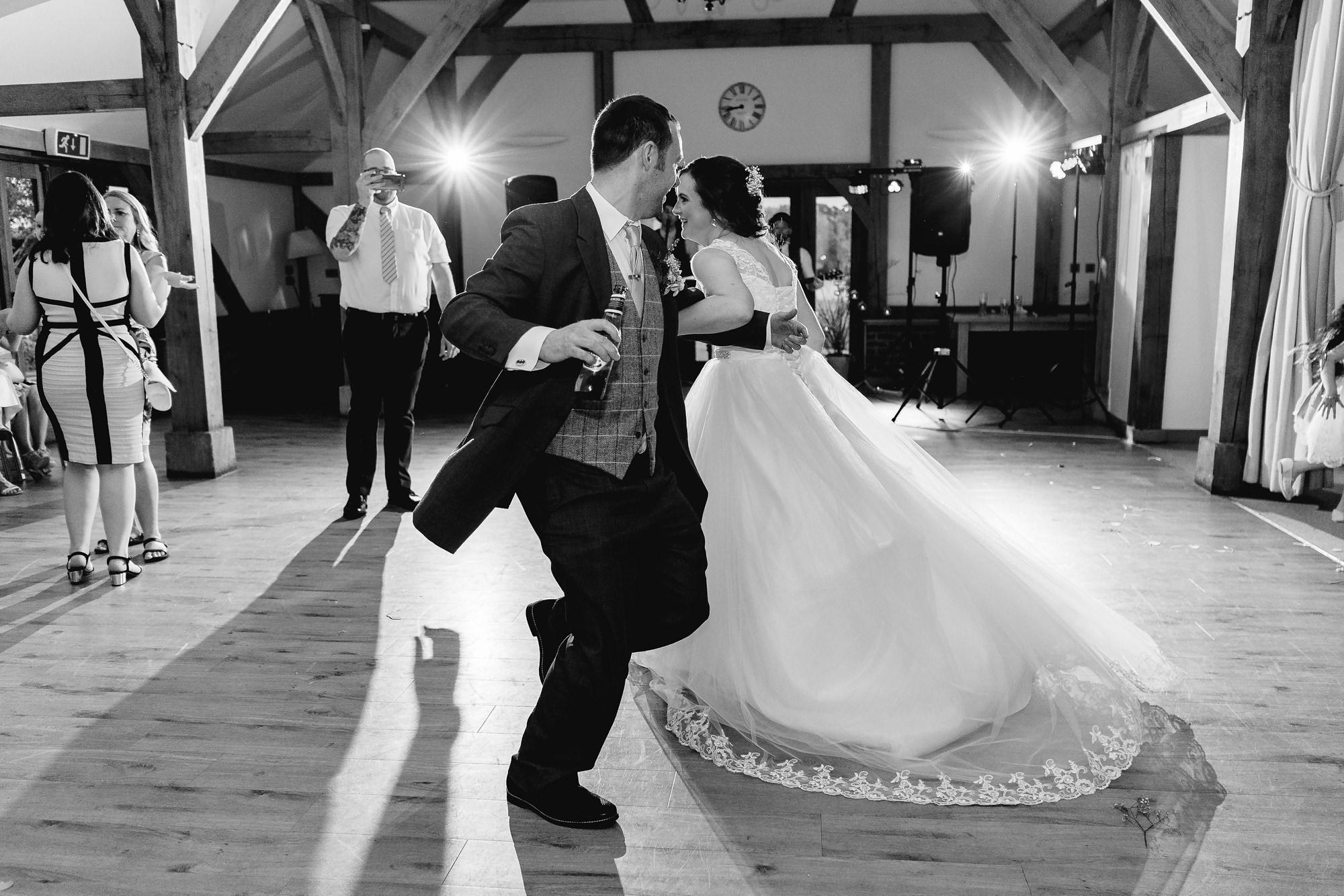 Sandhole-Oak-Barn-Wedding-Photographer_0032.jpg