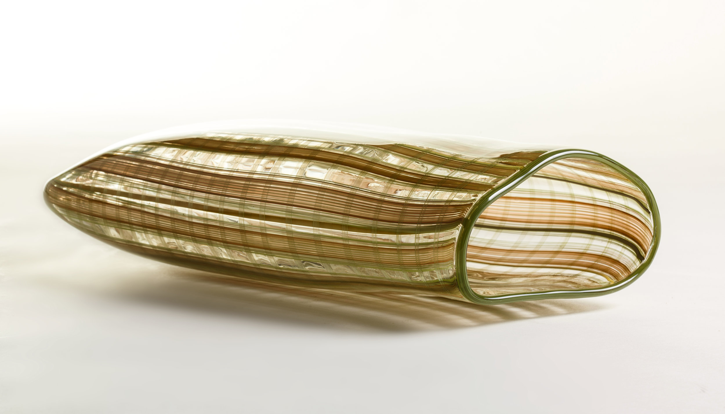 Jenni Kemarre Martiniello  Long Weave Dillibag  – hot blown glass with canes, 26 x 35 x 9 cm, 2017   EMAIL INQUIRY