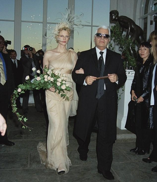 labotanique :       Kristen Mcmenamy and Karl Lagerfeld   | Kristen Mcmenamy and Miles Aldrige's wedding | October 21, 1997