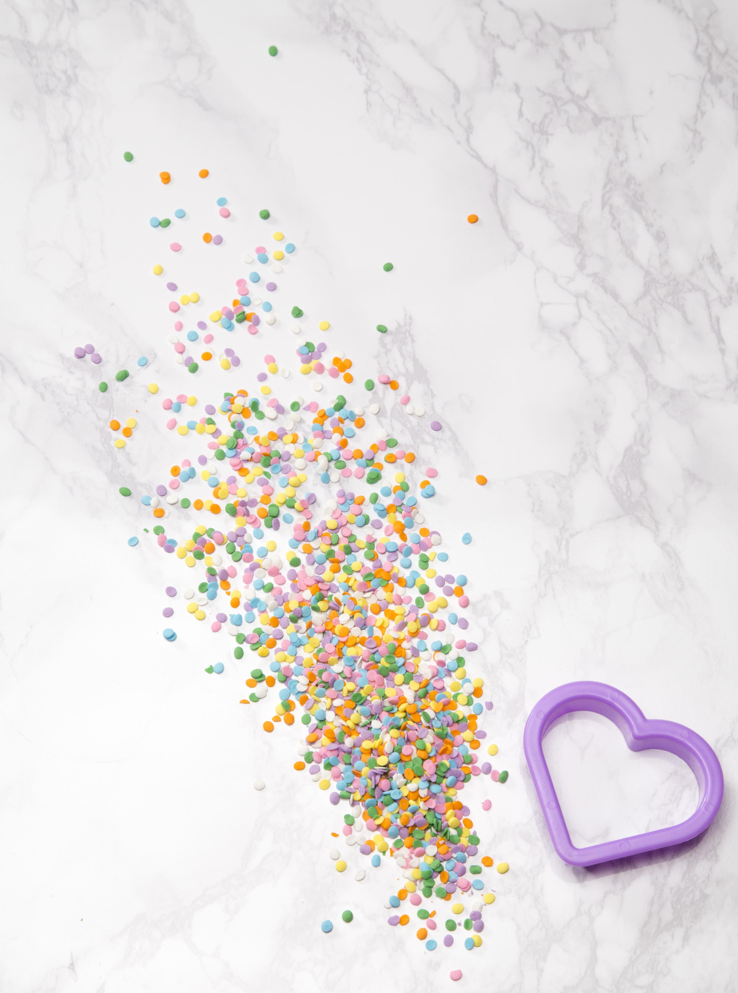 sprinkleheartcakesprinkles.jpg