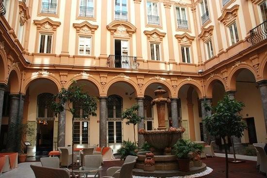 Grand Hotel Borsa.jpg