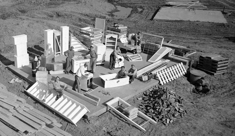 Levitt and Sons Levittown subdivision 1950's. [Image Credit: University of Illinois at Chicago]