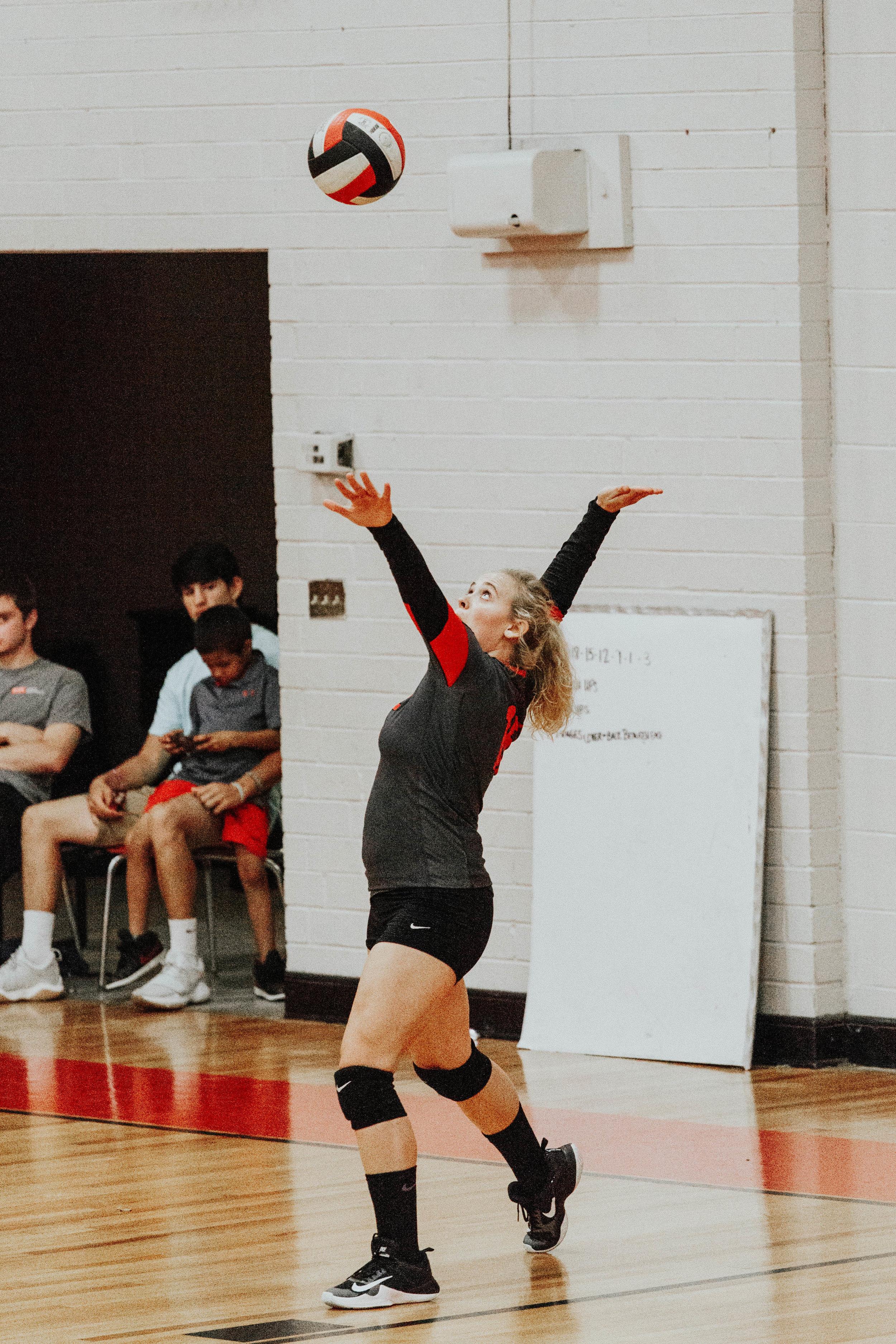 Senior Volleyball_4886.jpg