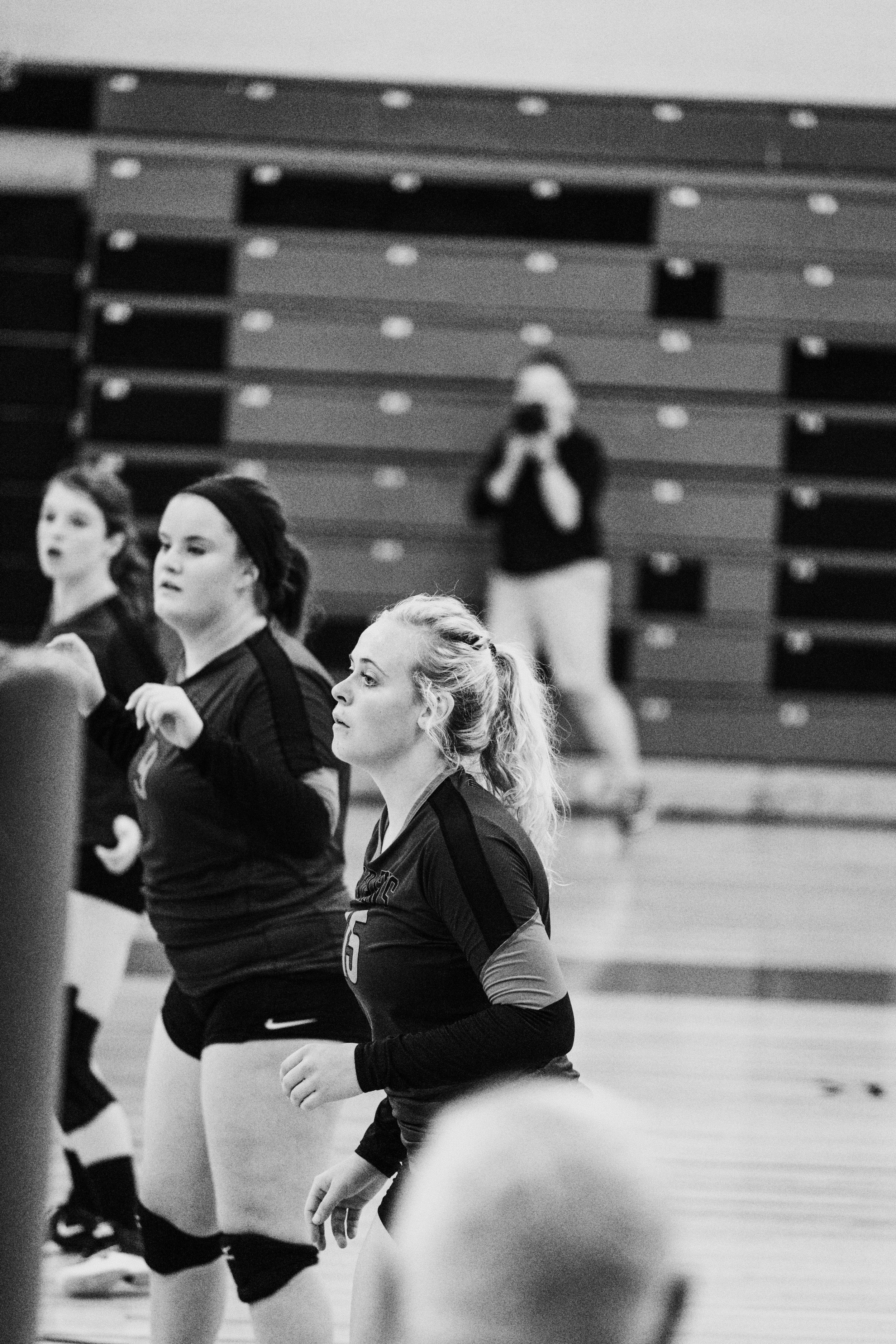 Senior Volleyball_4921.jpg