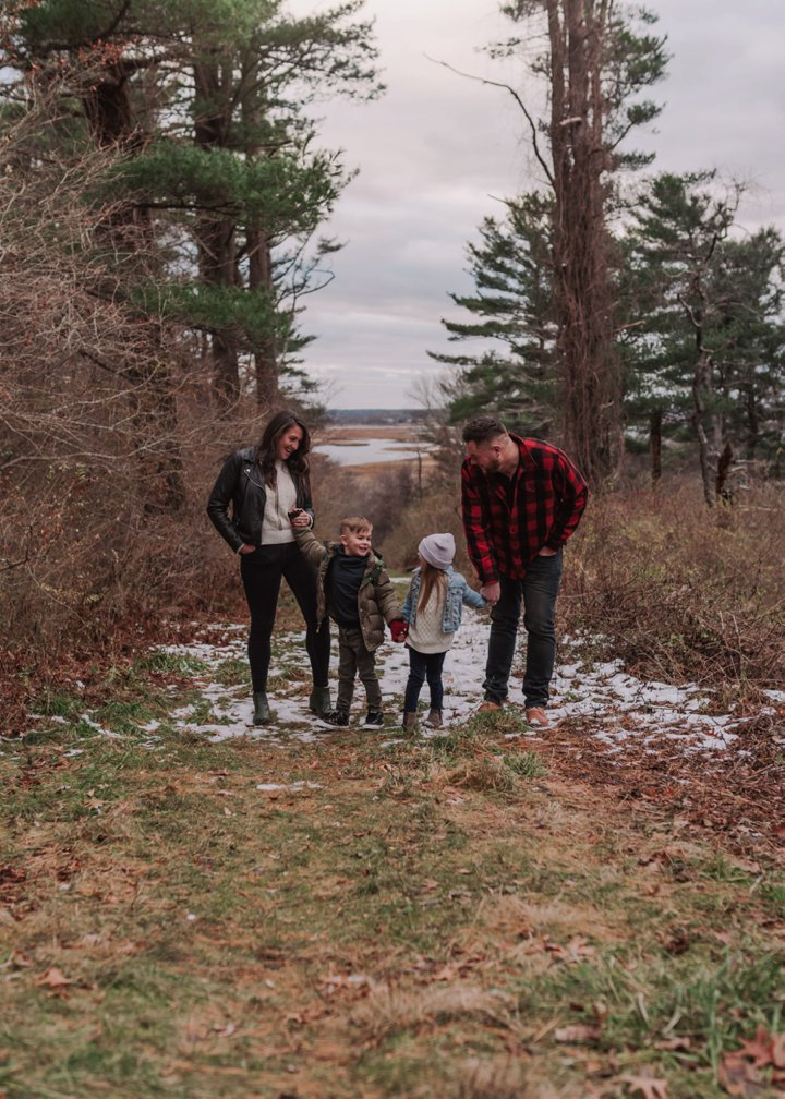 What to Wear for Relaxed Winter Family Photos /// Modern + Natural Winter Family Pictures by Boston and Cape Cod Family and Children's Portrait Photographer Asher + Oak ///  asherandoak.com