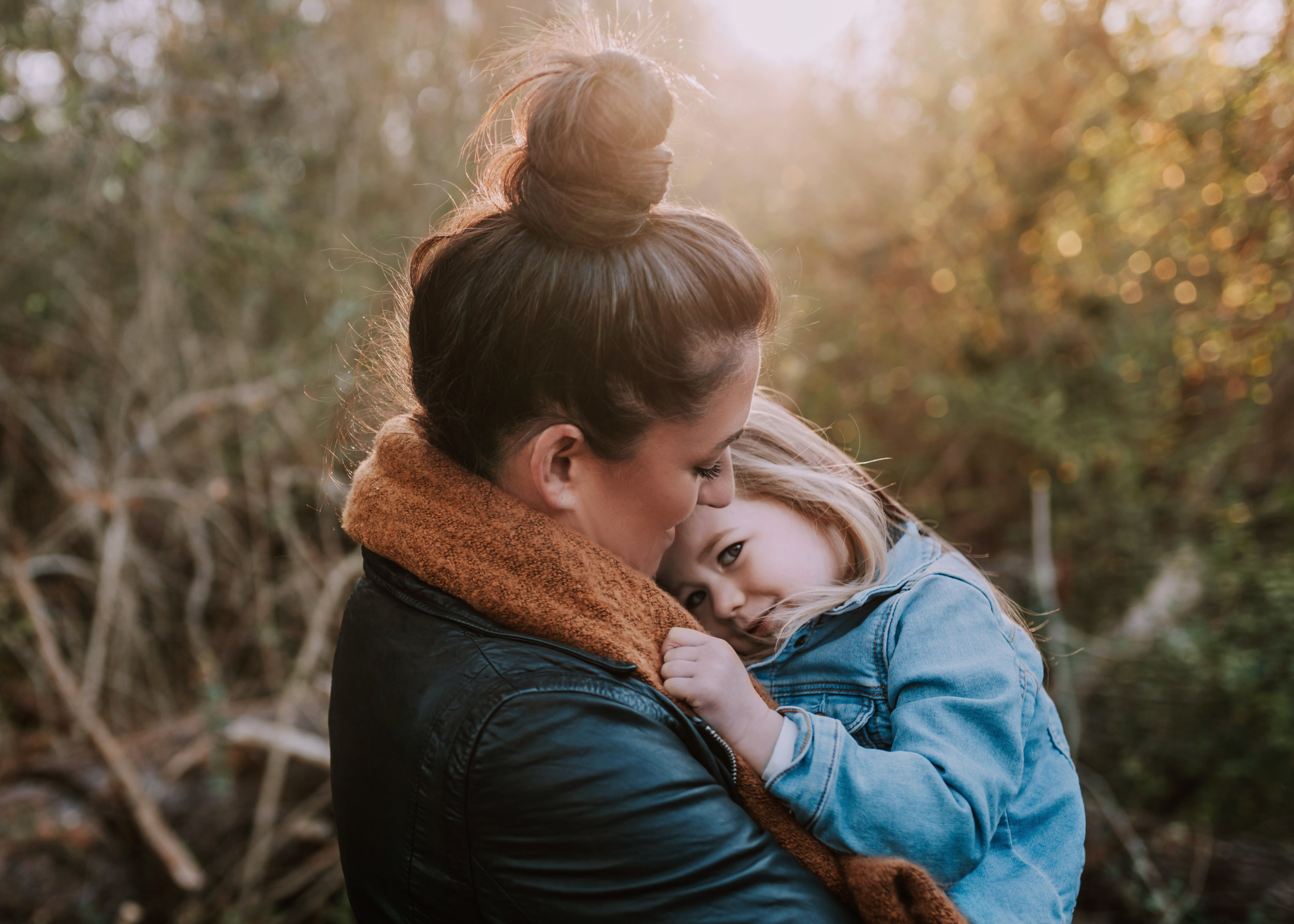 Sweet and Natural Family Portrait Photos