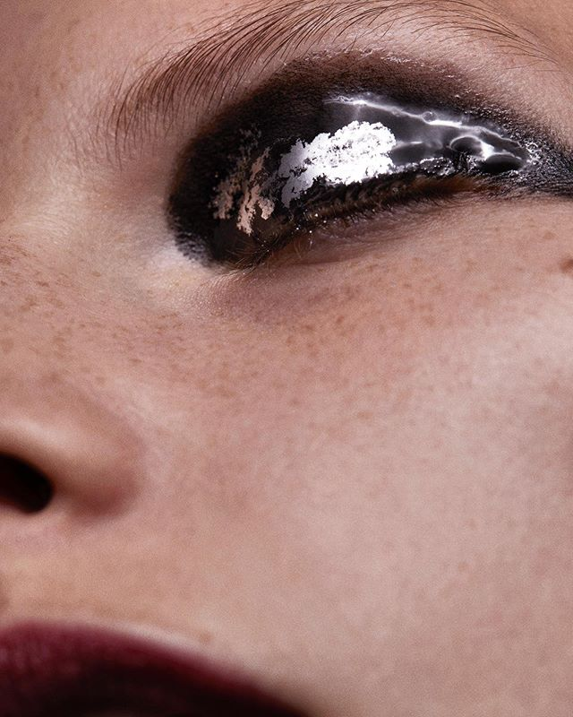 Lovely @s_blomqvist, inspired by textures from nature. Makeup and creative direction by @lindagradinmakeup, styled by @rachelgilman_, hair by @rominahair, and nails by @yukie_miyakawa_nails. #sarablomqvist #beauty #macro @homeagency @lateliernyc @walterschupfermanagement