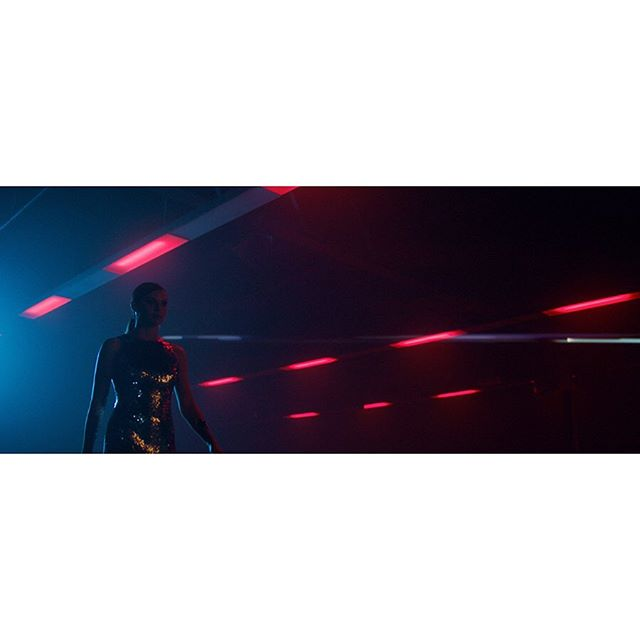 Making an entrance for the new @gainsboroughhardware campaign 'Enter With Style' ❤️🔑🚪💙 . Dir. @yianniwarnock 😎 DP. @sherwin_akbarzadeh 🤯 Agency. @hive.creative 🥰 Colour. @abewynen @wearecrayon 🤓 . #colourist #davinciresolve #campaign #unlock #style #cinematic #colorist #colourgrade