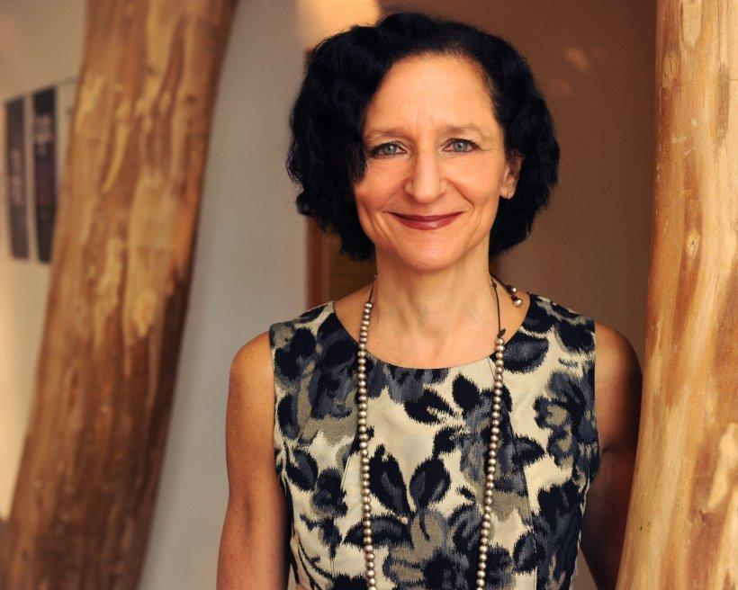 Dr. Sara Diamond