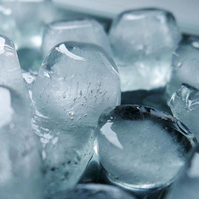 chewing ice_700.jpg