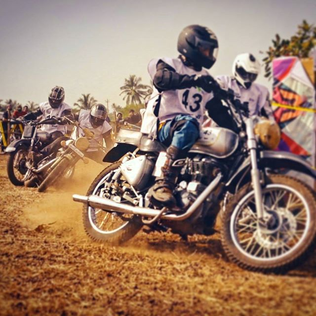 The incredible #dirttrack at the #RoyalEnfield #RiderMania  Catch the video on the Royal Enfield Youtube channel!  #enfield #riders #rider #RoyalEnfieldIndia #bullet #bulletjournal #dirtbiking #dirtroad #biking #motorcycle #motorcyclediaries #racing #bikerace  #Vagator #Goa #goatourism #motorbikes #motorbikes247