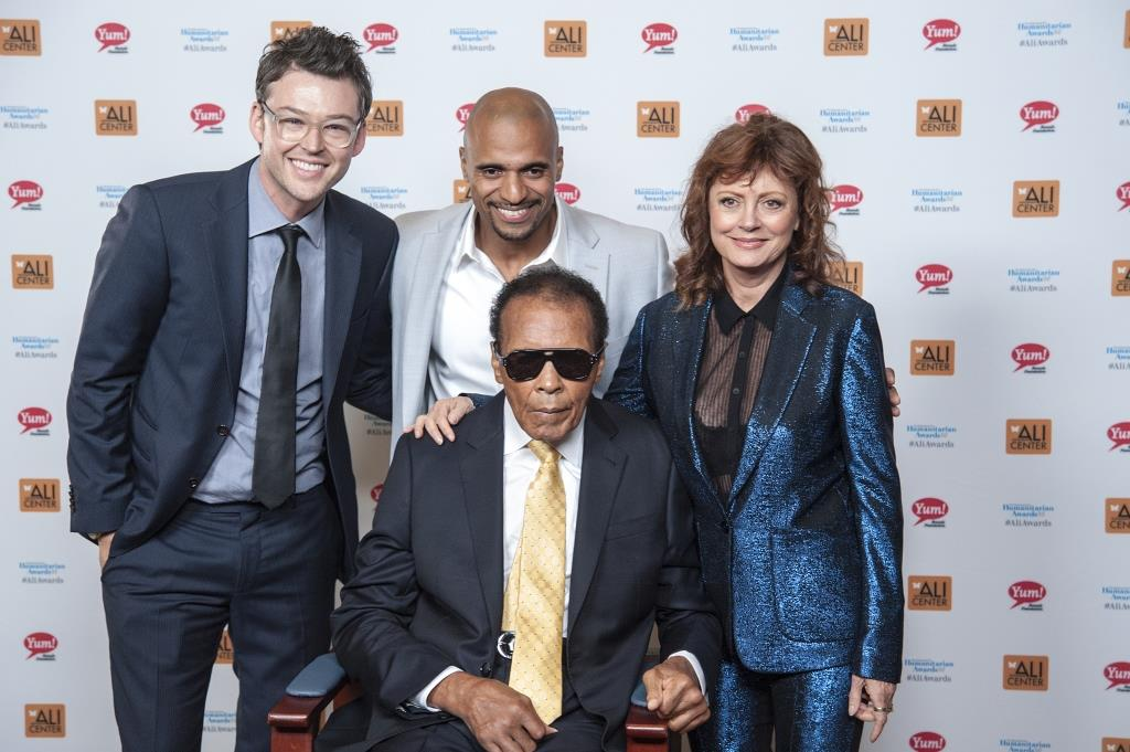 Susan Sarandon with Muhammed Ali.jpg